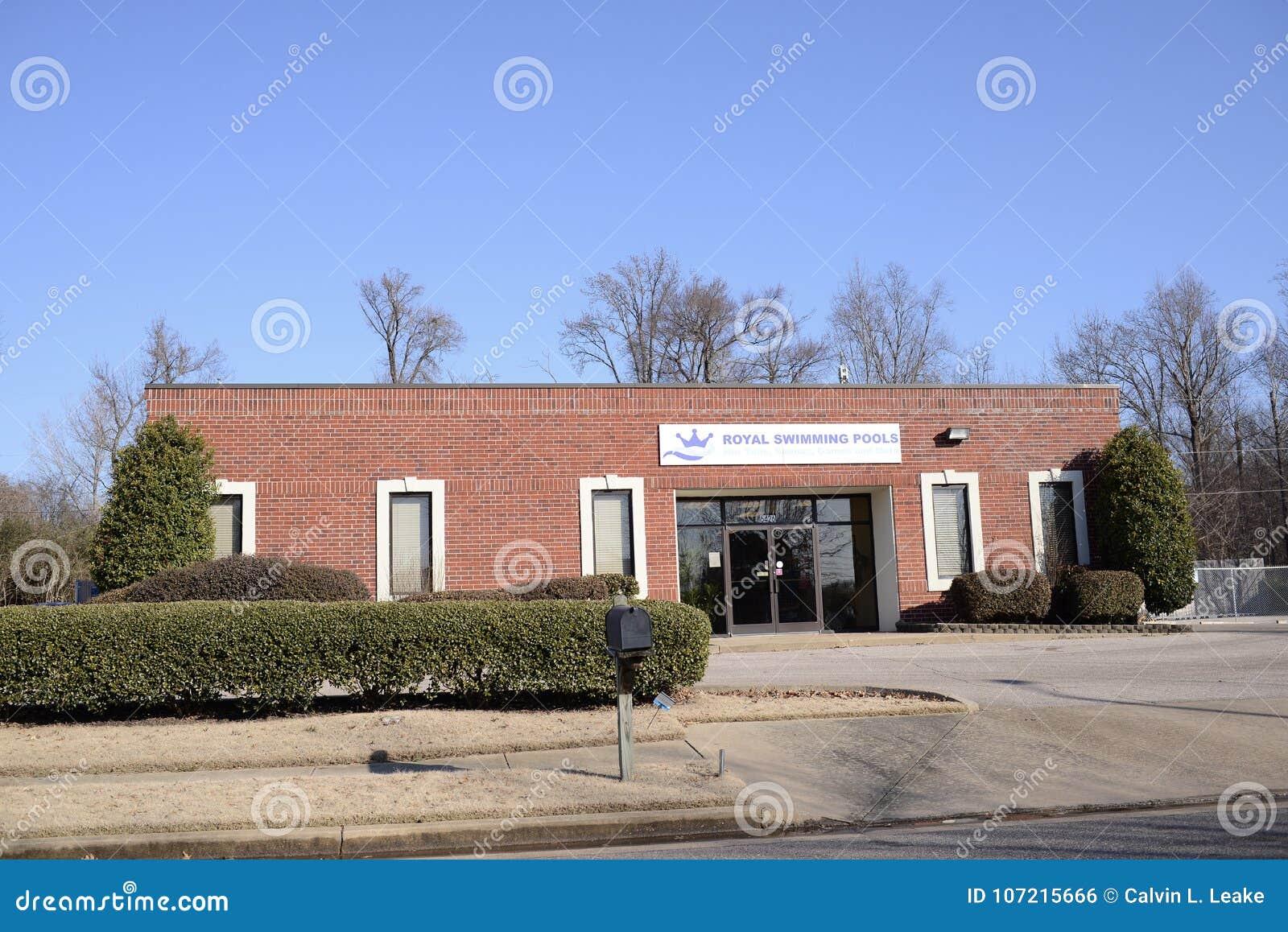 Royal Swimming Pools, Memphis, TN Editorial Photo - Image of ...