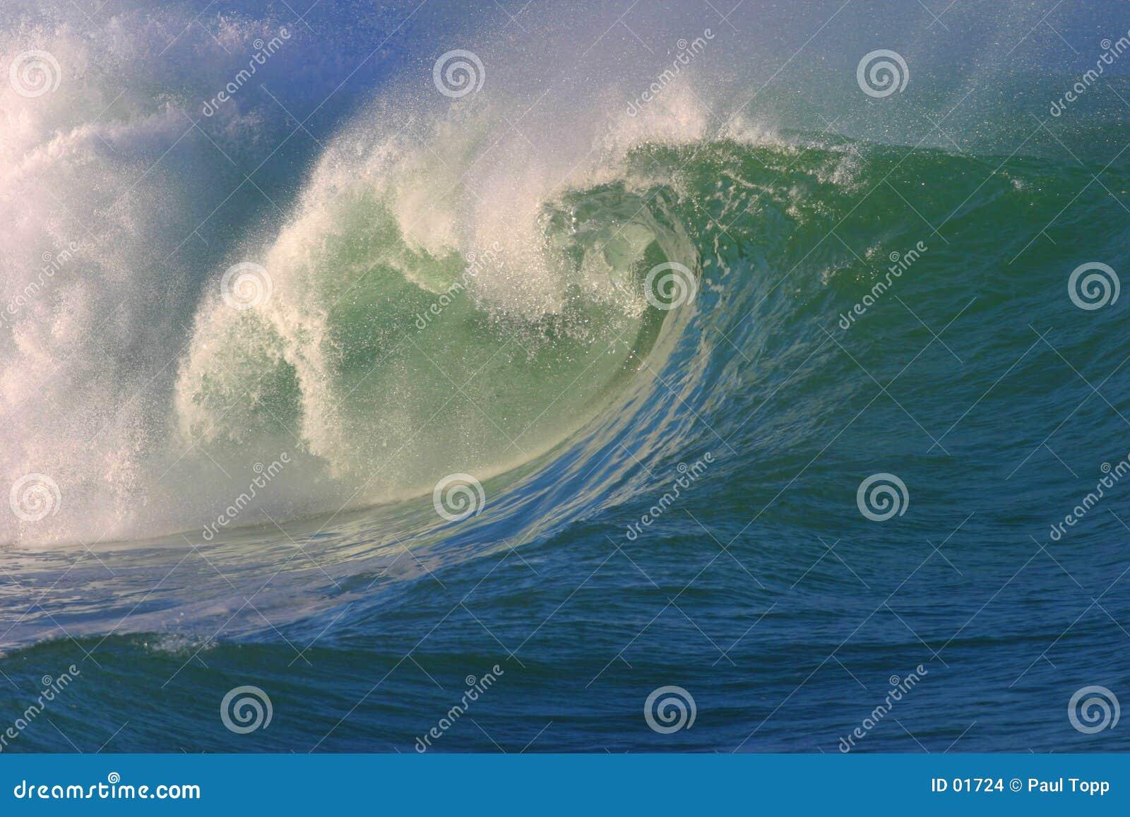 Rozbić surfowania fale