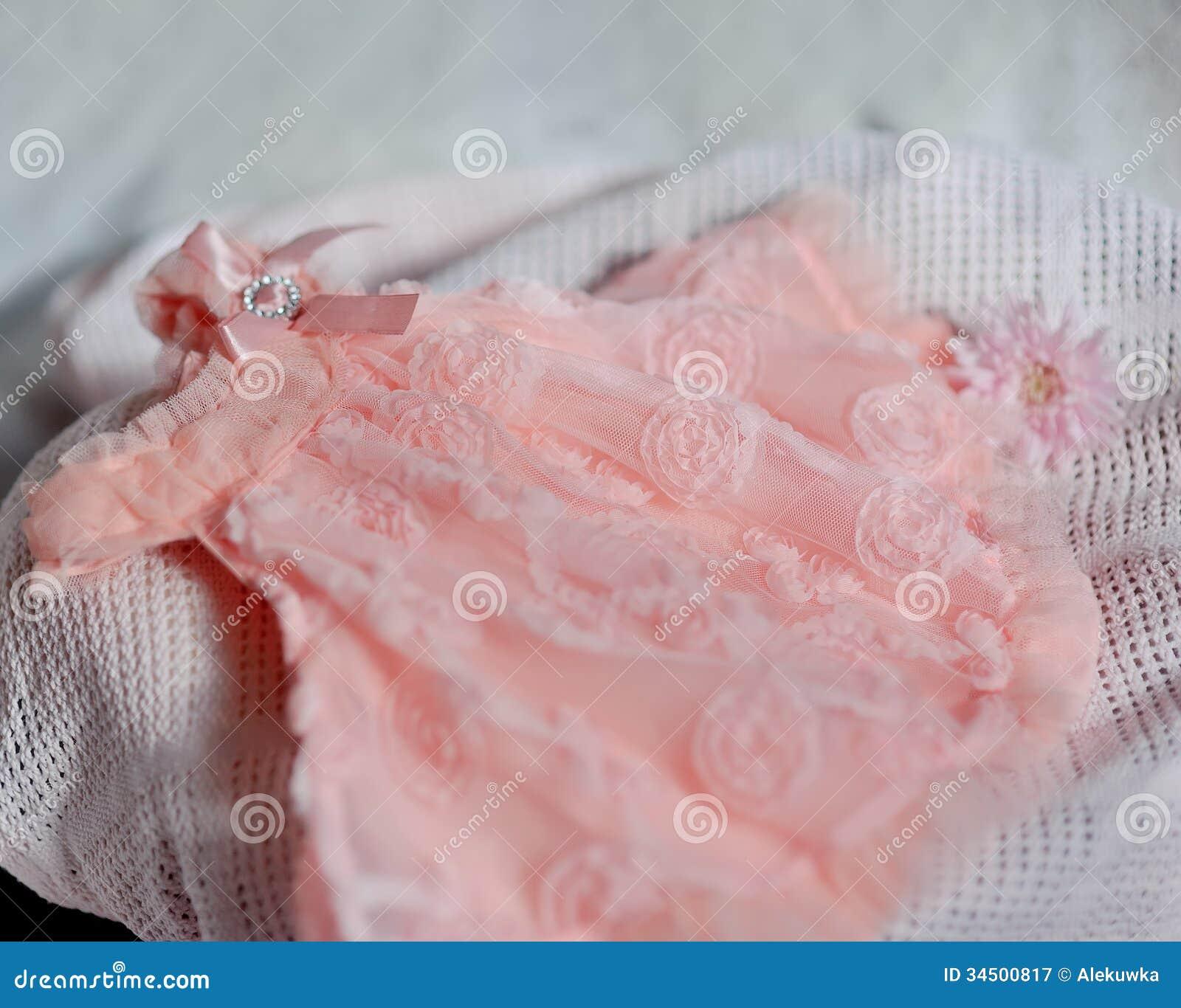 Babykleding Roze.Roze Babykleding Stock Afbeelding Afbeelding Bestaande Uit Leuk
