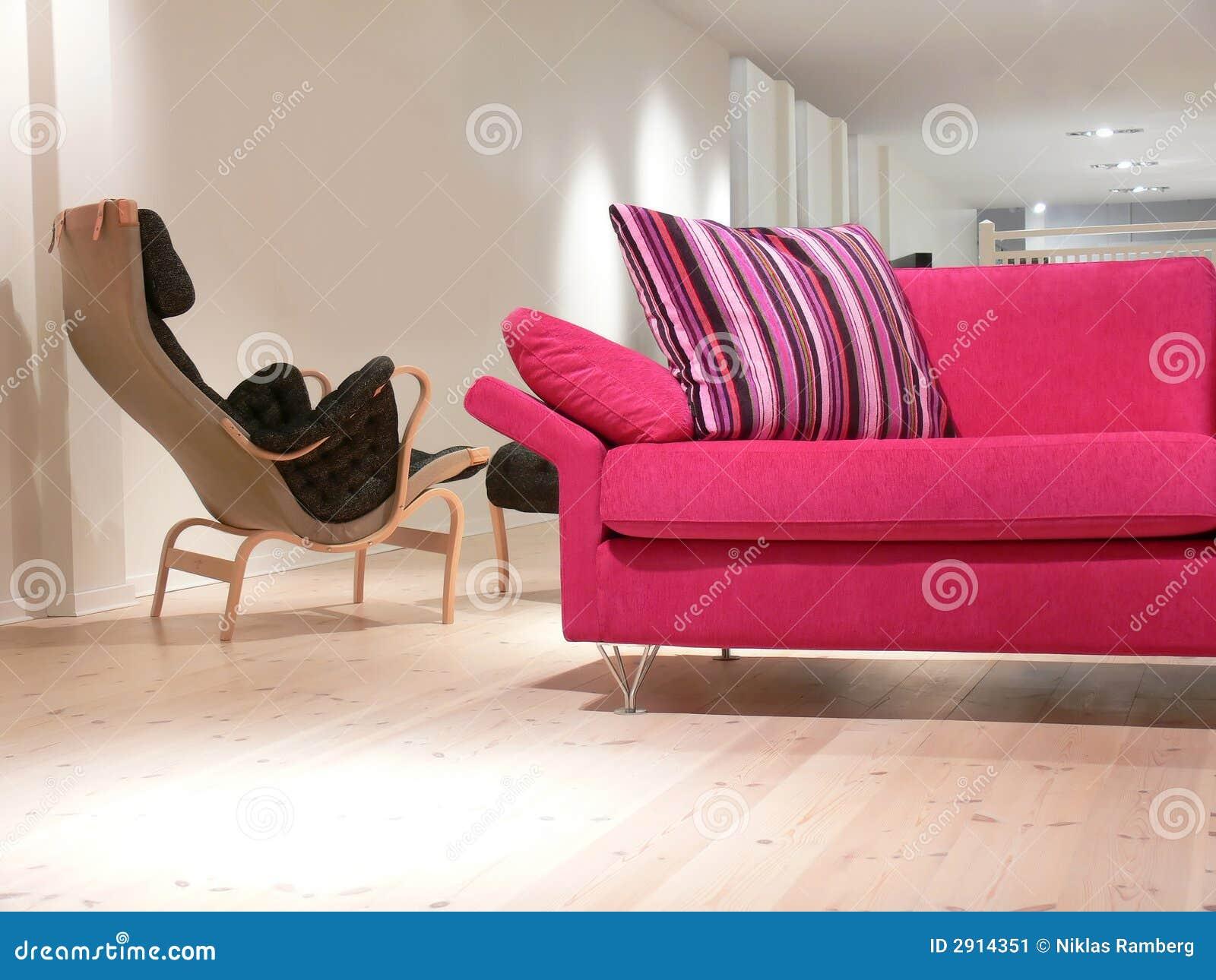 Roze bank en stoel stock afbeelding   afbeelding: 2914351