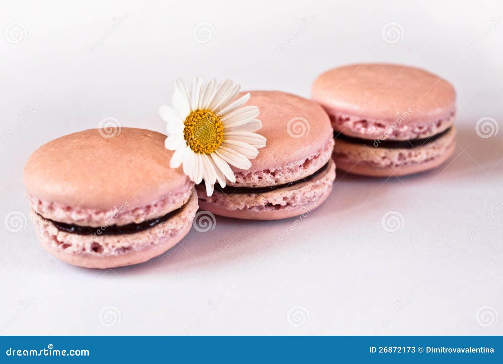Roze franse macarons in rij stock foto 39 s afbeelding 26872173 - Parijs zoet ...