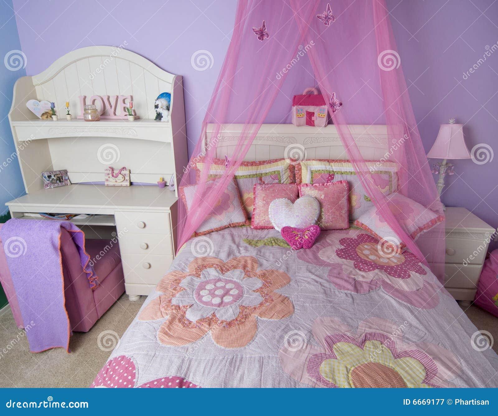 Roze Jonge En Modieuze Slaapkamer Royalty-vrije Stock Fotografie ...