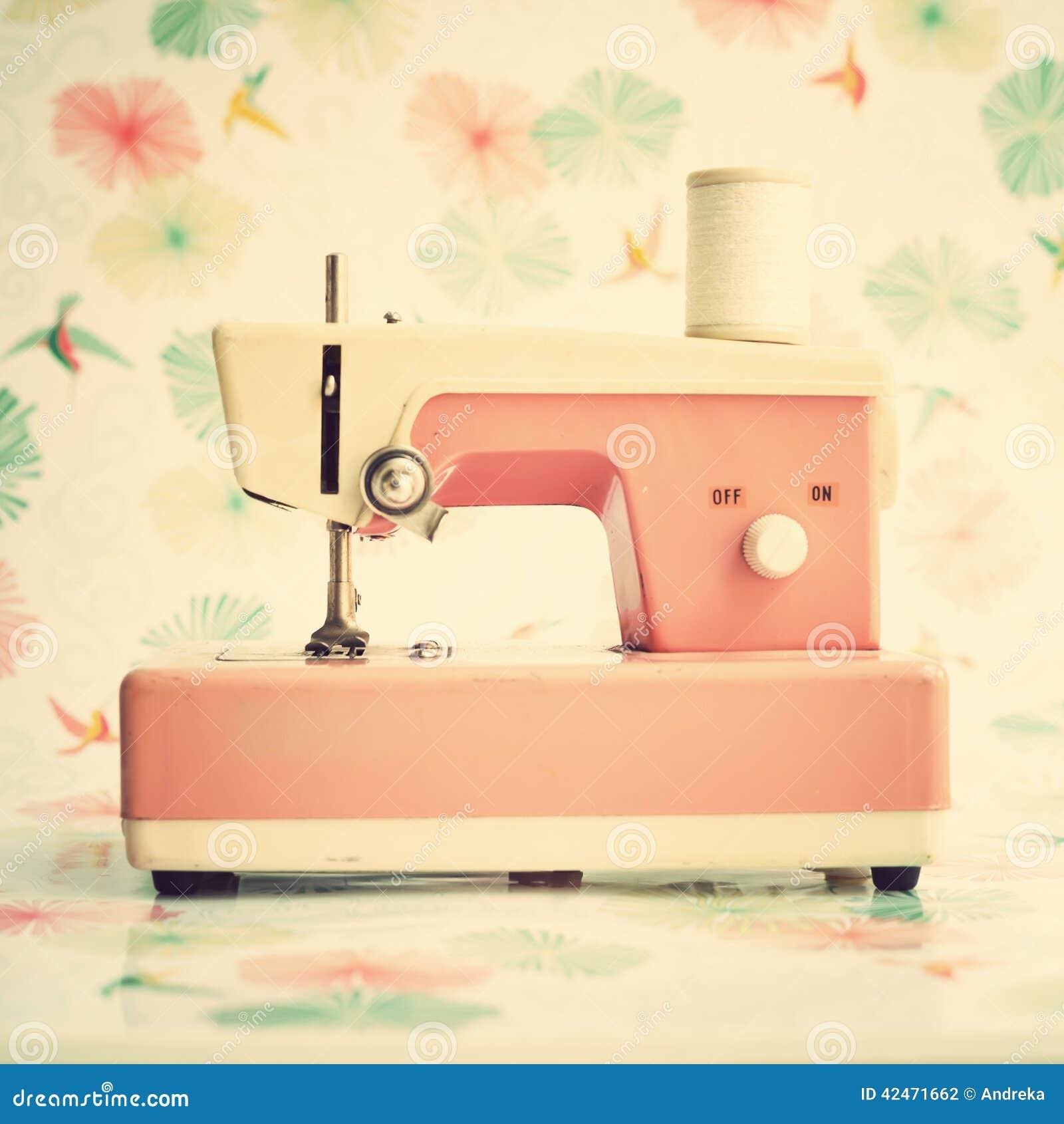 Roze naaimachine stock foto afbeelding 42471662 - Parijs zoet ...