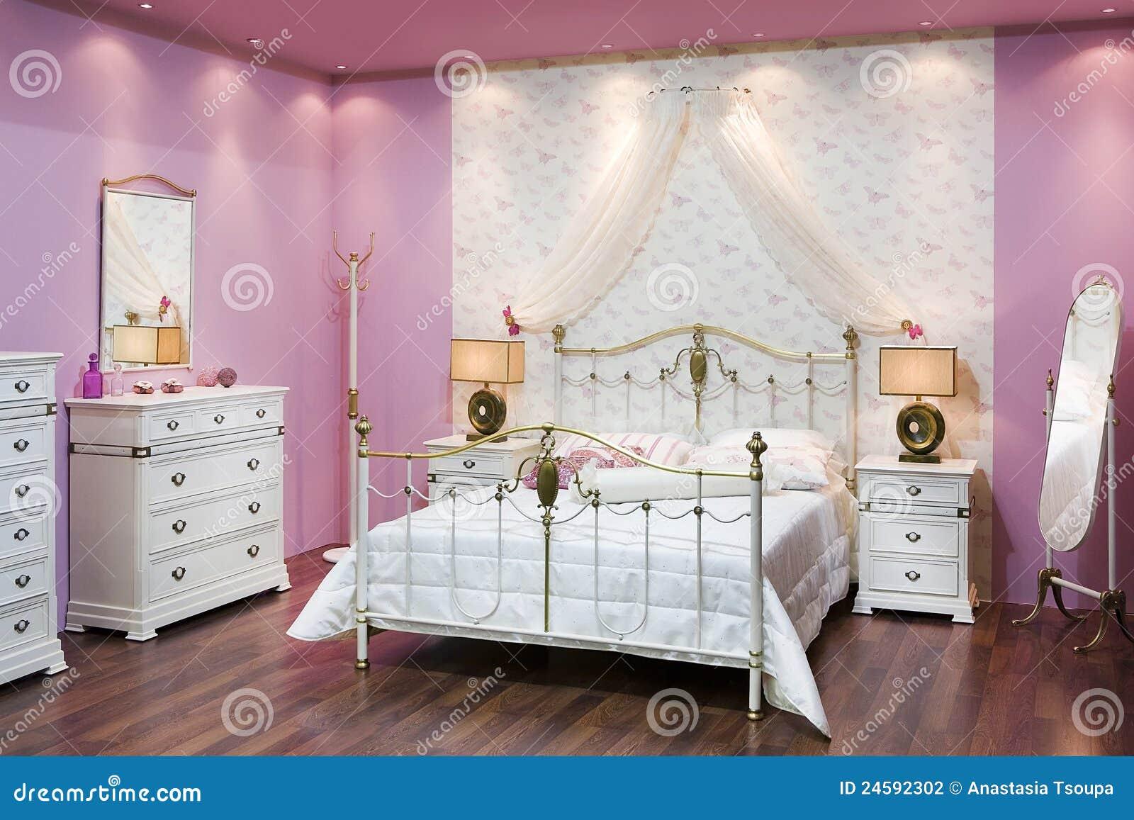 Roze slaapkamer stock foto. Afbeelding bestaande uit huis - 24592302