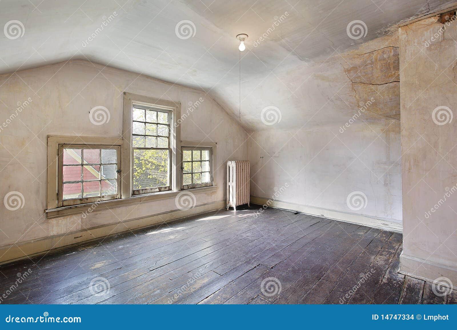 Roze Slaapkamer In Oud Verlaten Huis Stock Foto - Afbeelding ...