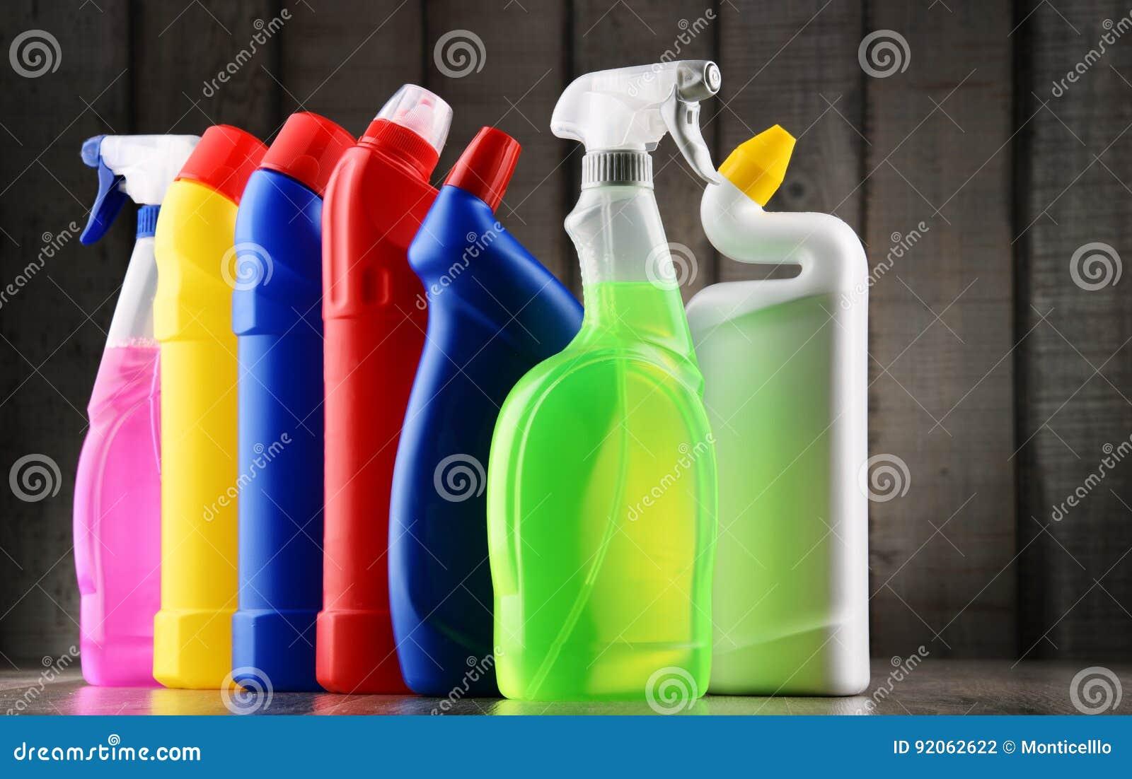 Rozmaitość detergent butelki i chemicznego cleaning dostawy