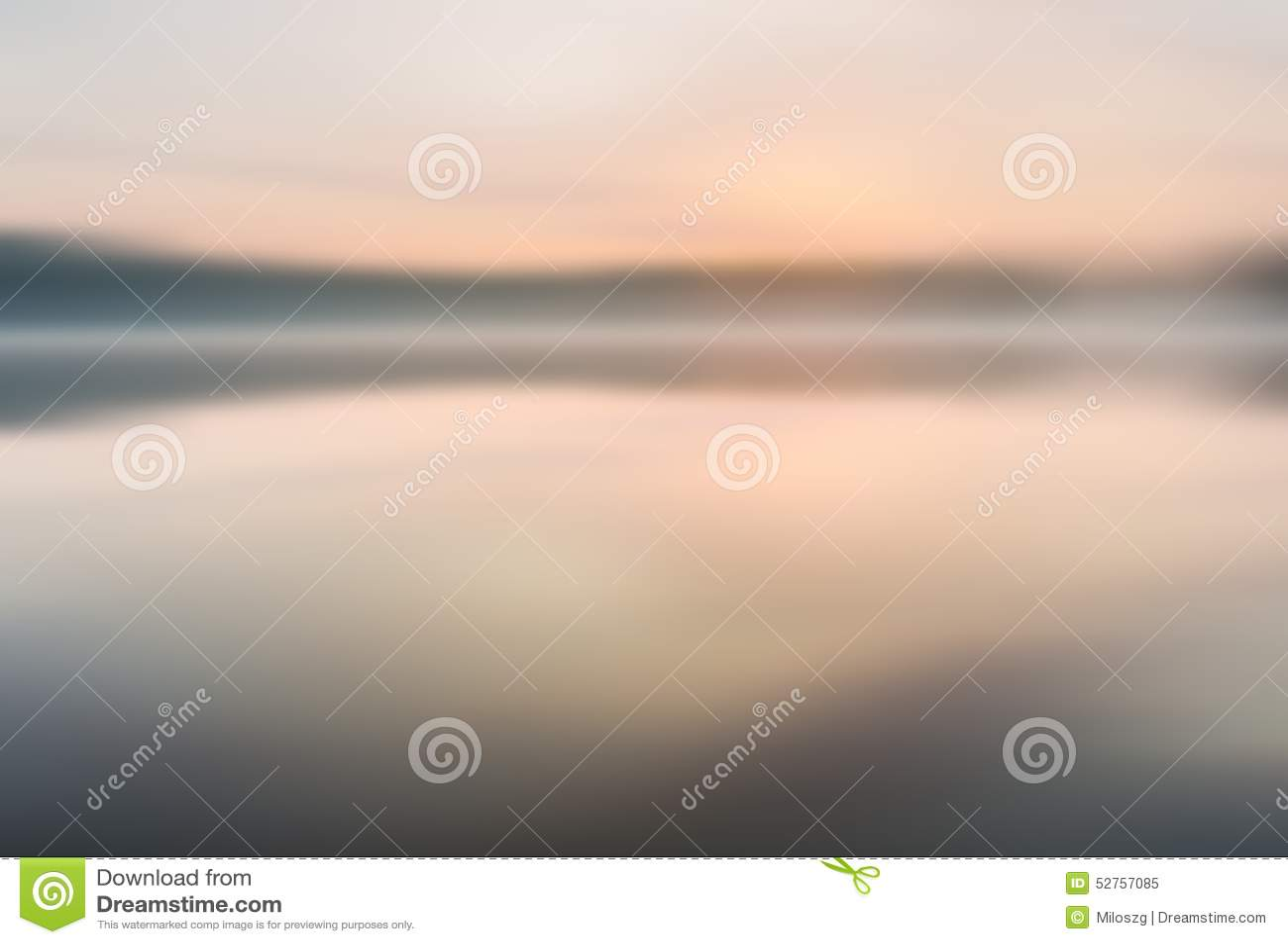 Rozmyty jezioro krajobraz pożytecznie jako tło