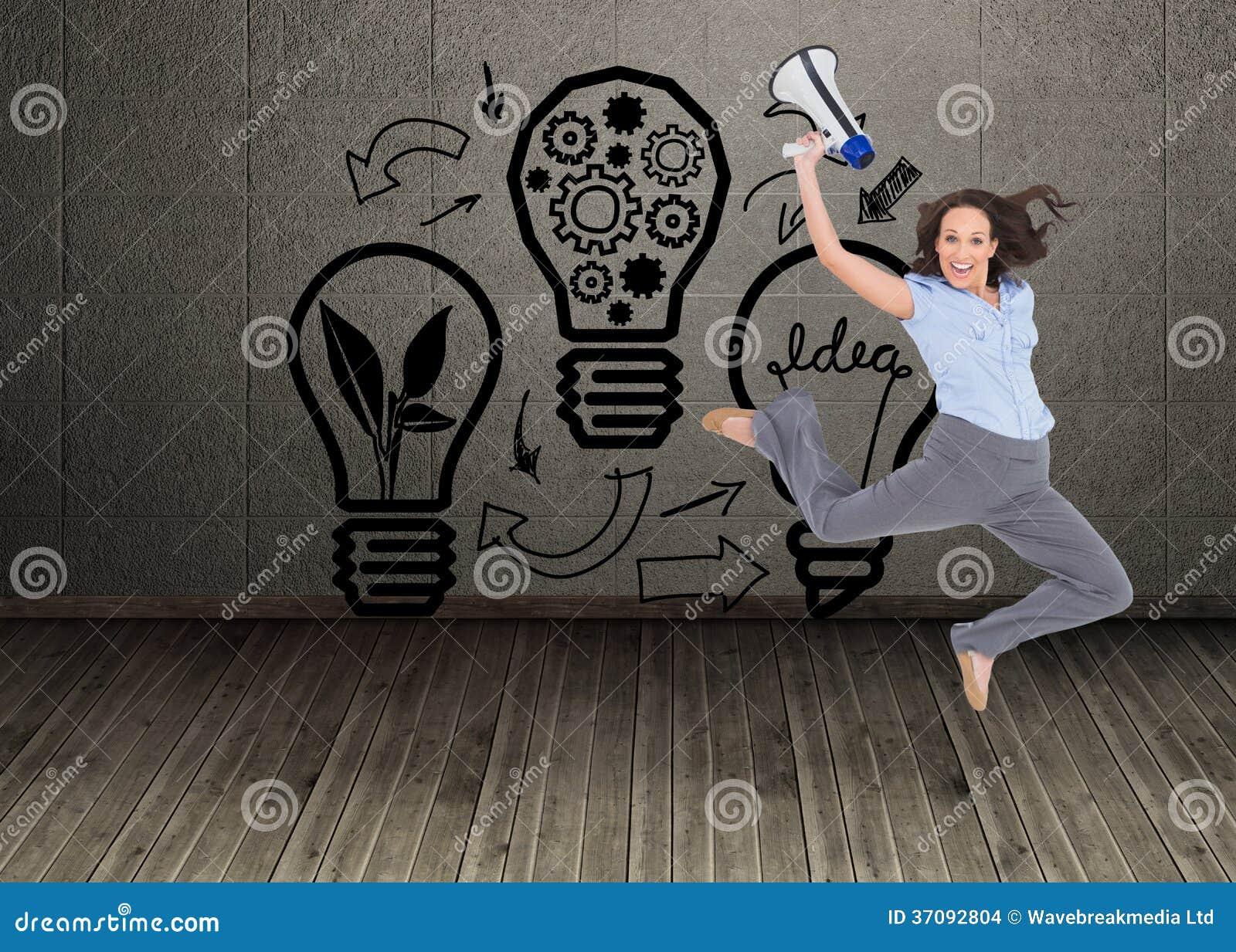 Download Rozochocony Z Klasą Bizneswomanu Doskakiwanie Podczas Gdy Trzymający Megafon Zdjęcie Stock - Obraz złożonej z pokój, komputer: 37092804