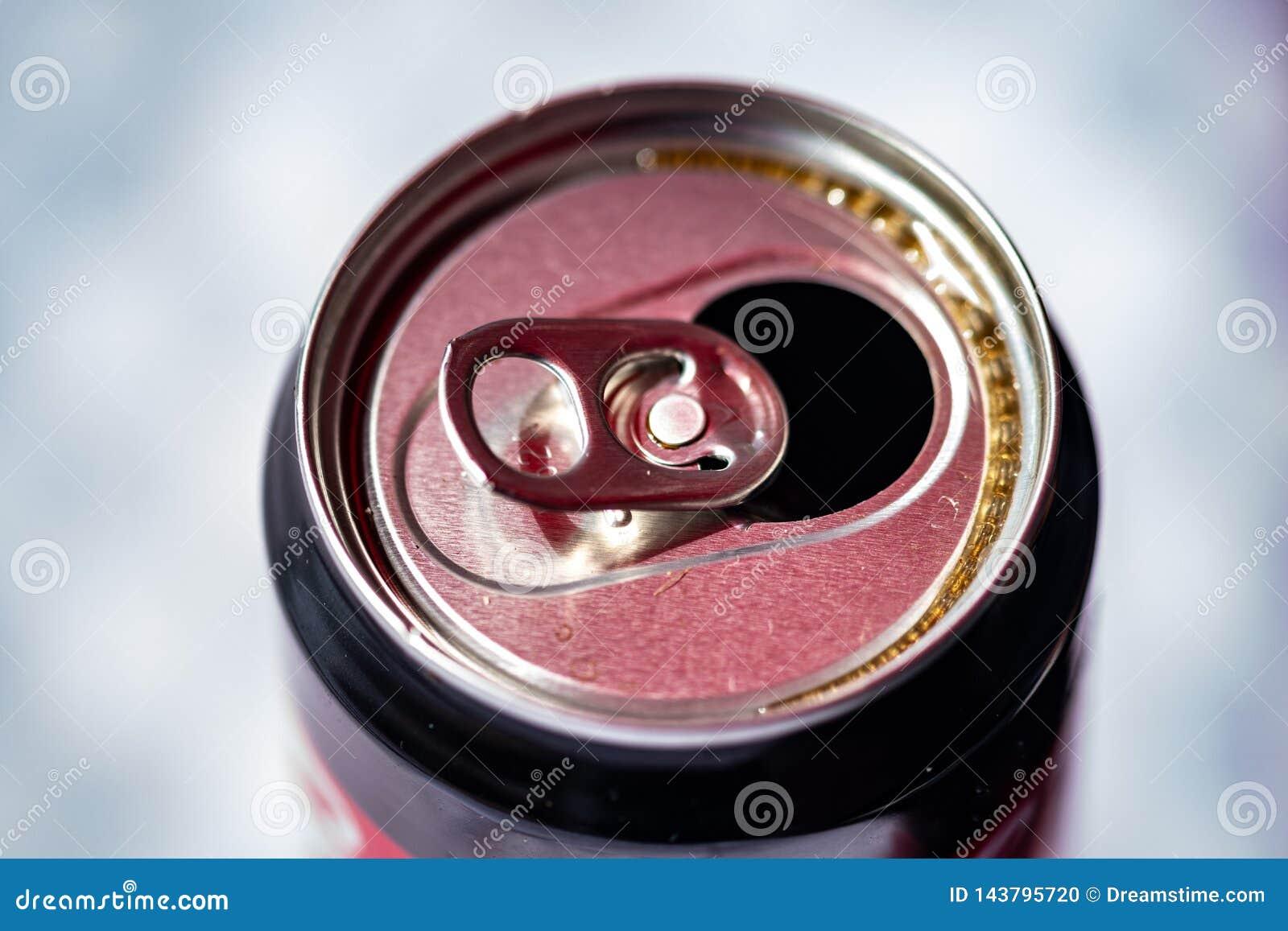 Rozpieczętowany może przygotowywać dla napoju