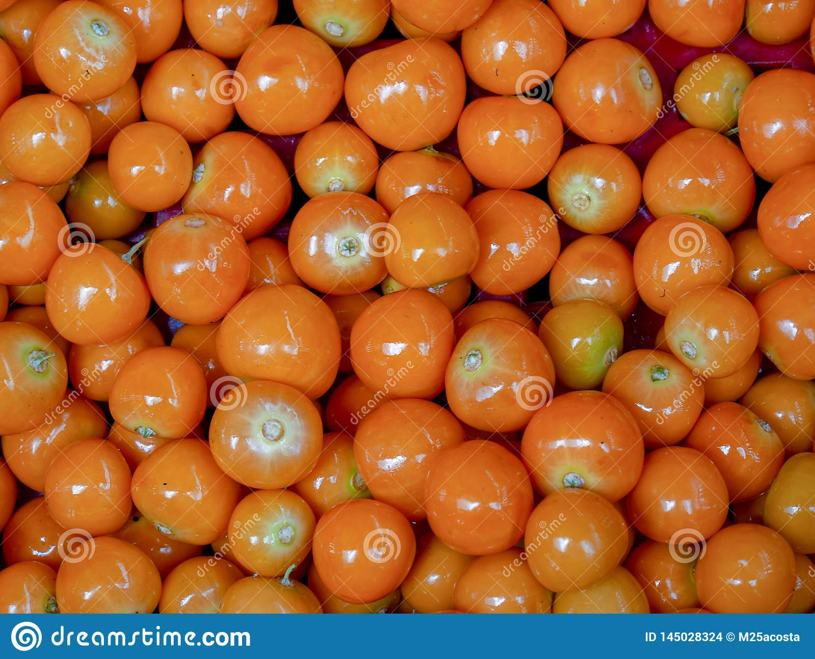Rozsypisko goldenberries w rynku