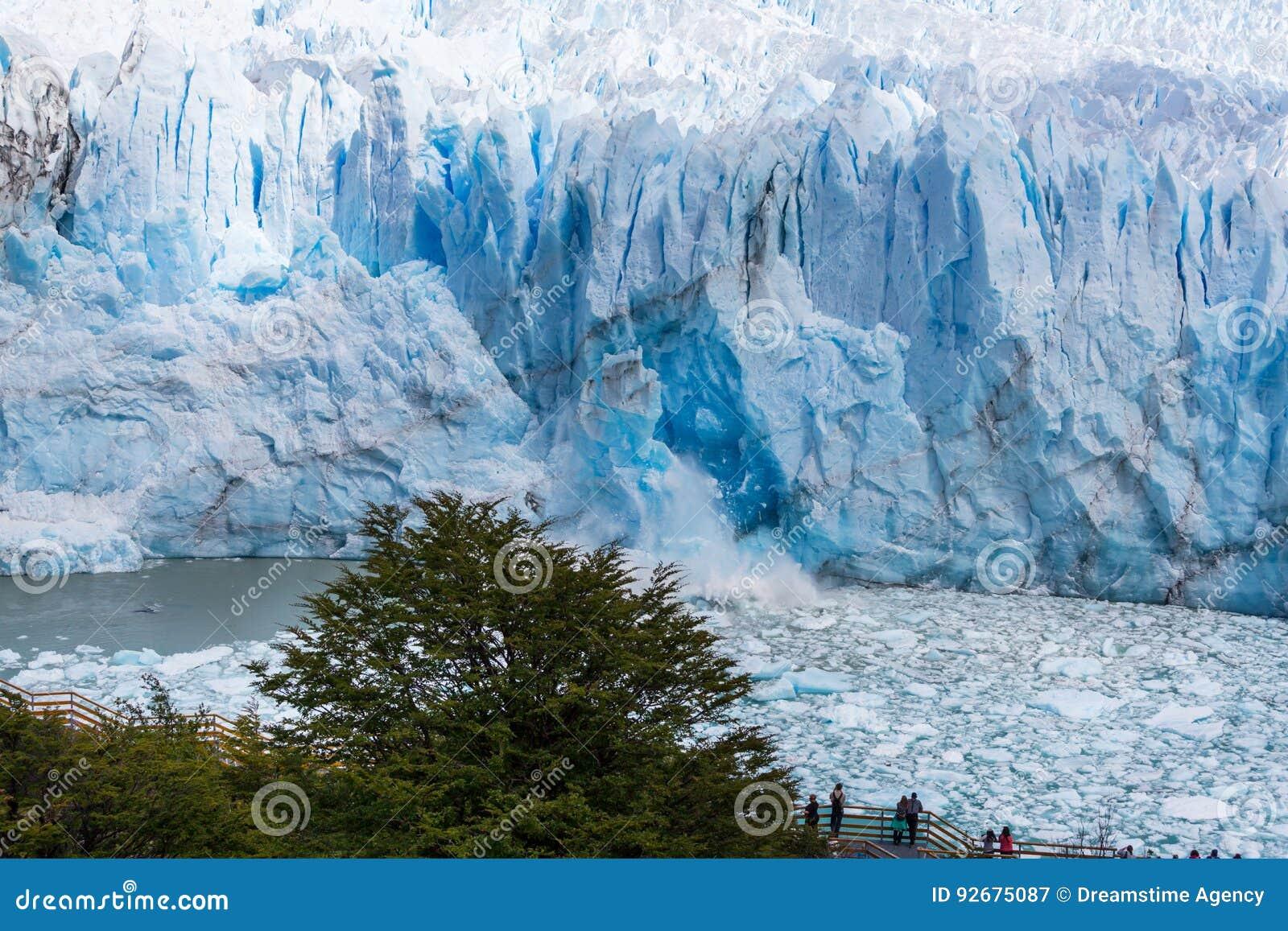 Roztapiający lodowiec w Argentyna