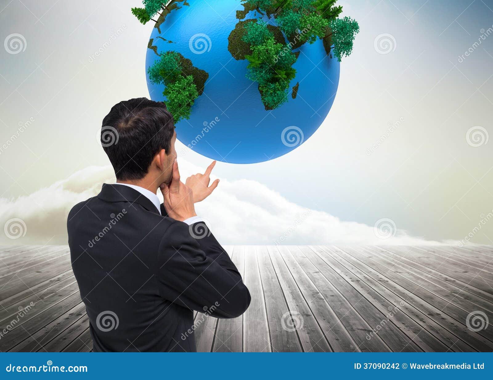 Download Rozważny Azjatykci Biznesmena Wskazywać Zdjęcie Stock - Obraz złożonej z ziemia, natura: 37090242
