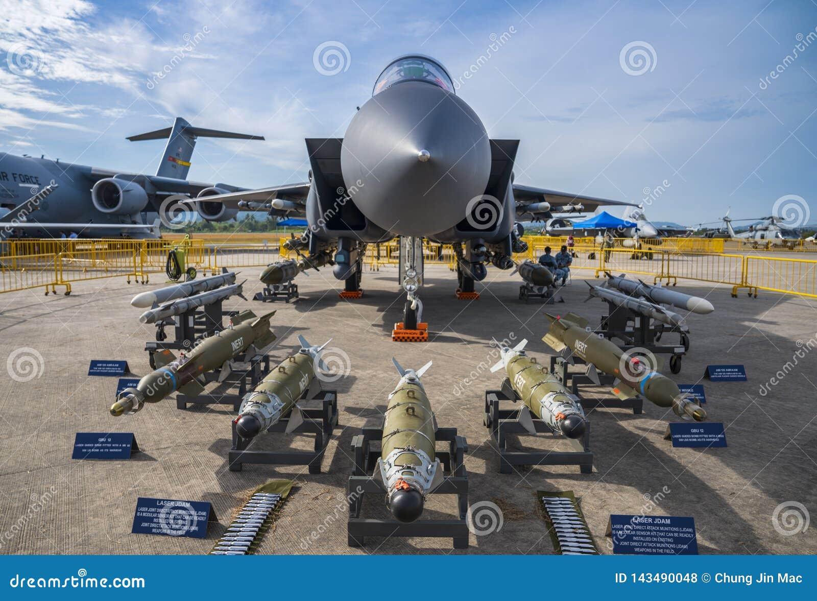 RSAF Boeing F-15SG na exposição em LIMA Expo
