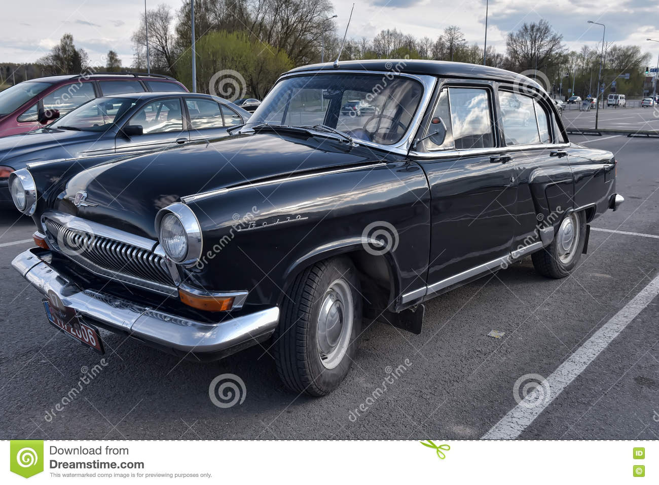 r tro voiture gaz 21 volga photo stock ditorial image 72006423. Black Bedroom Furniture Sets. Home Design Ideas