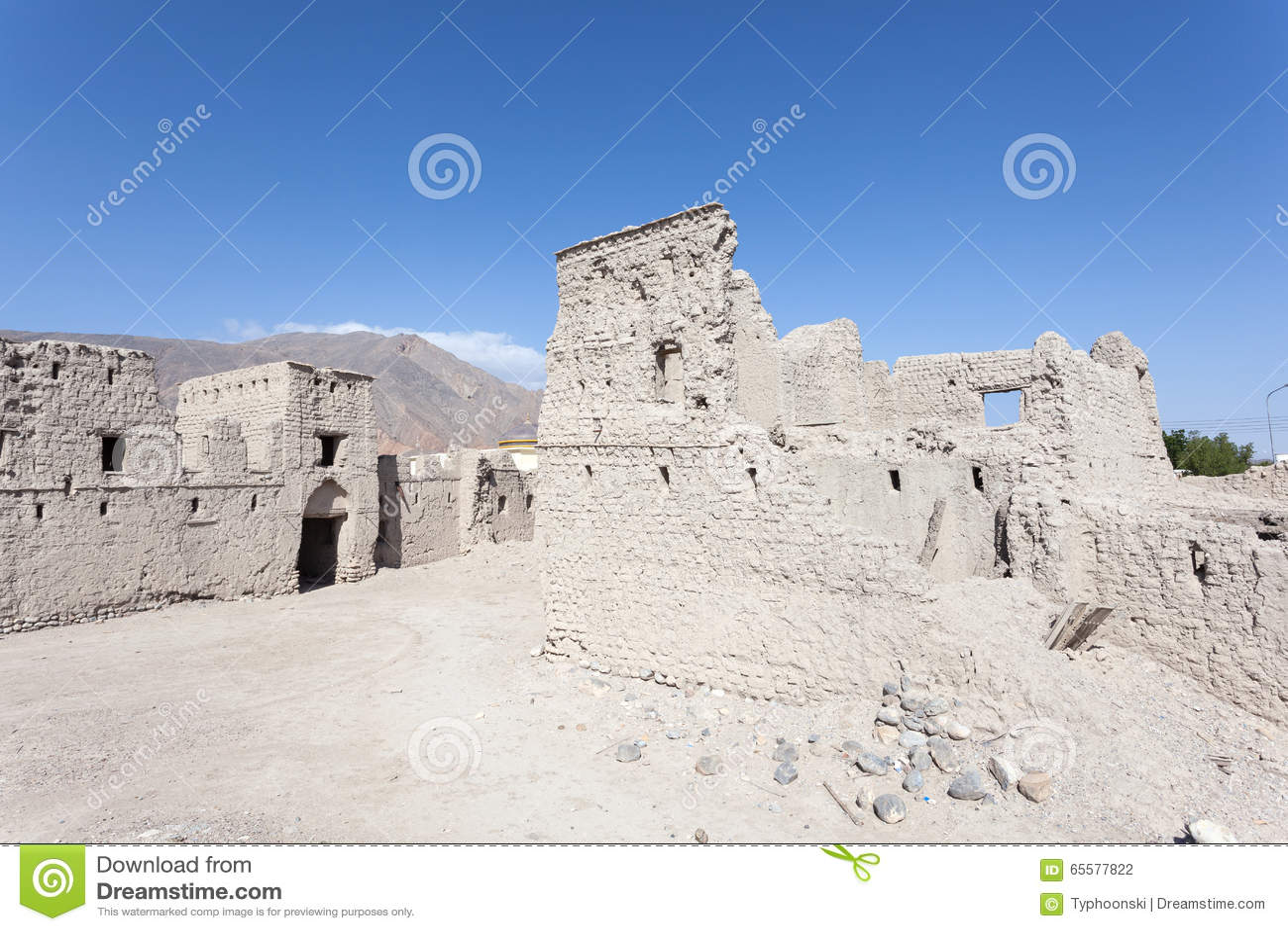 Ruína de uma vila omanense velha