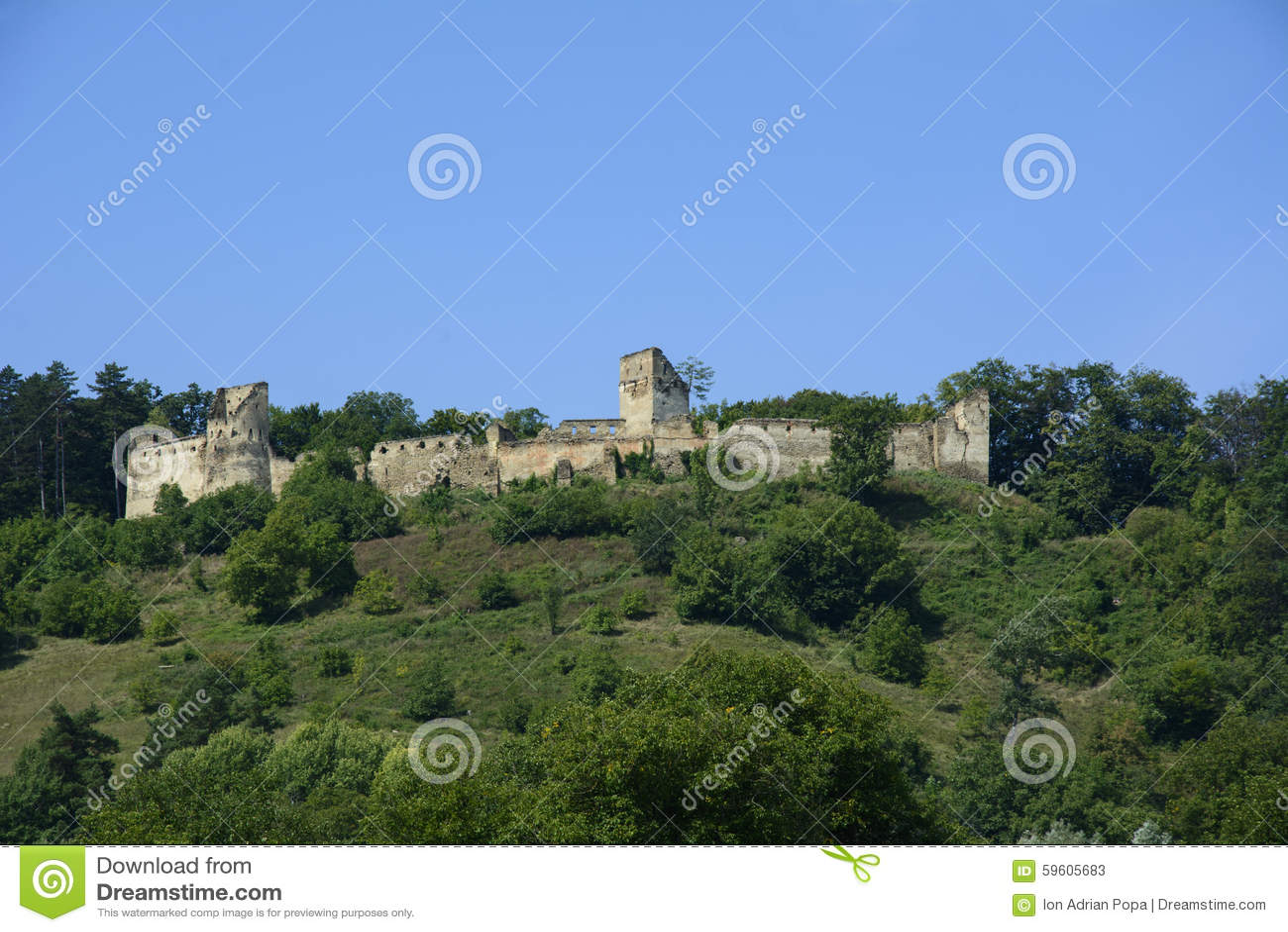 Ruínas da fortaleza do camponês de Saschiz, a Transilvânia, Romênia