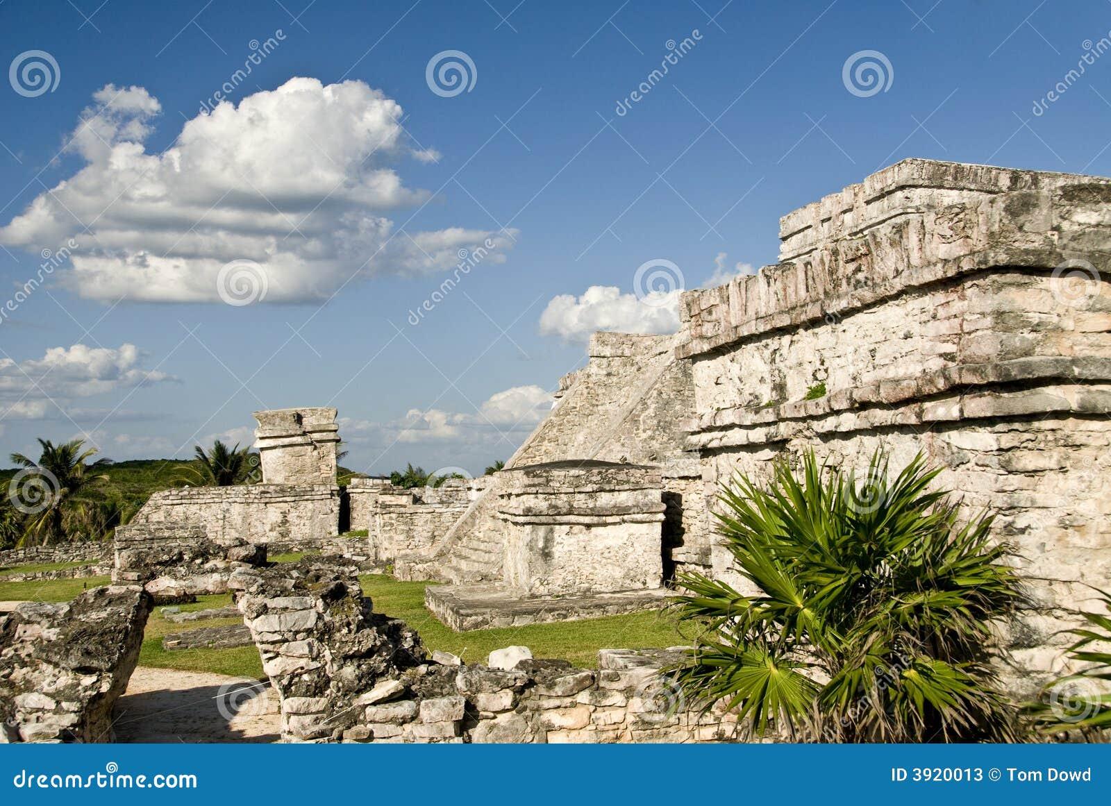 Ruínas da pirâmide em Tulum México