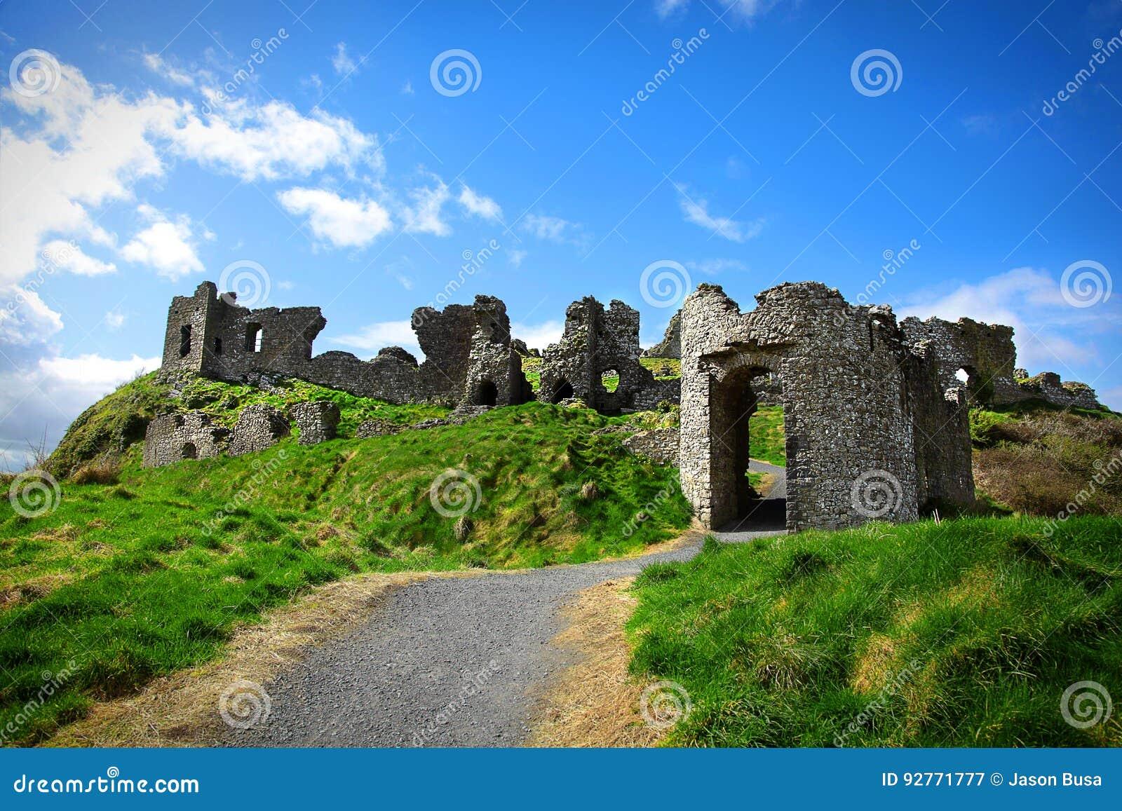 Ruínas do castelo da rocha de Dunamase na Irlanda