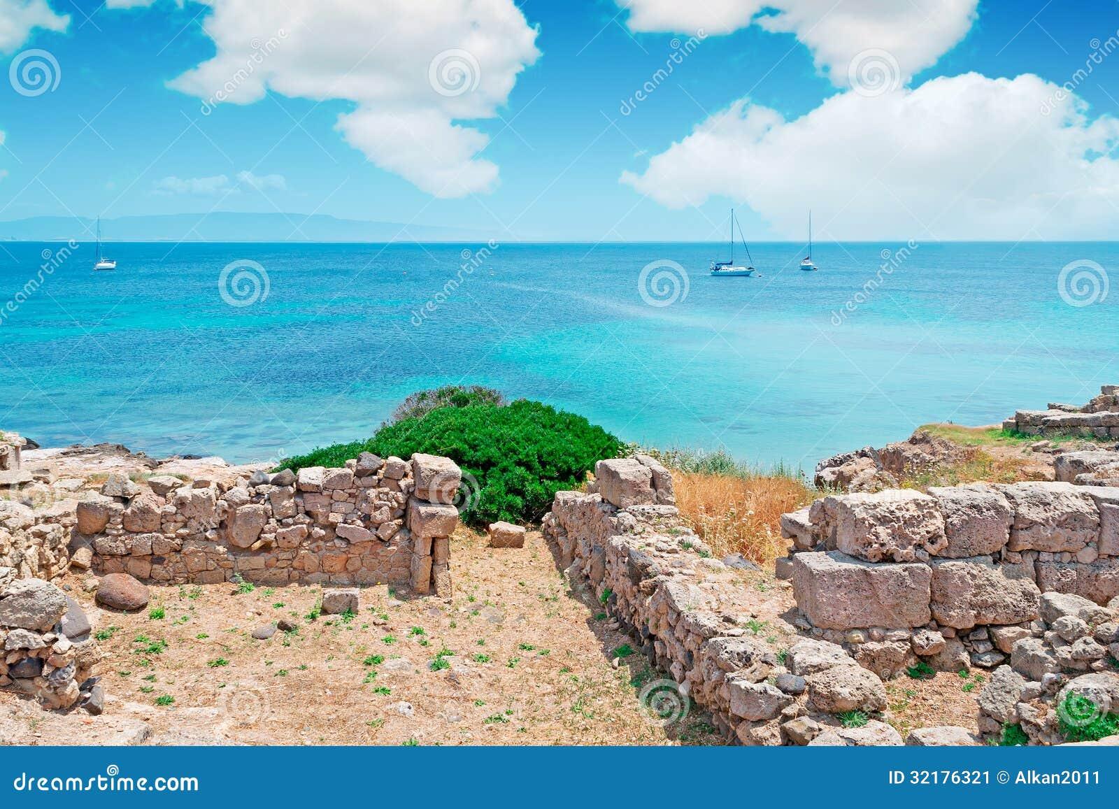 Ruïnes en boten
