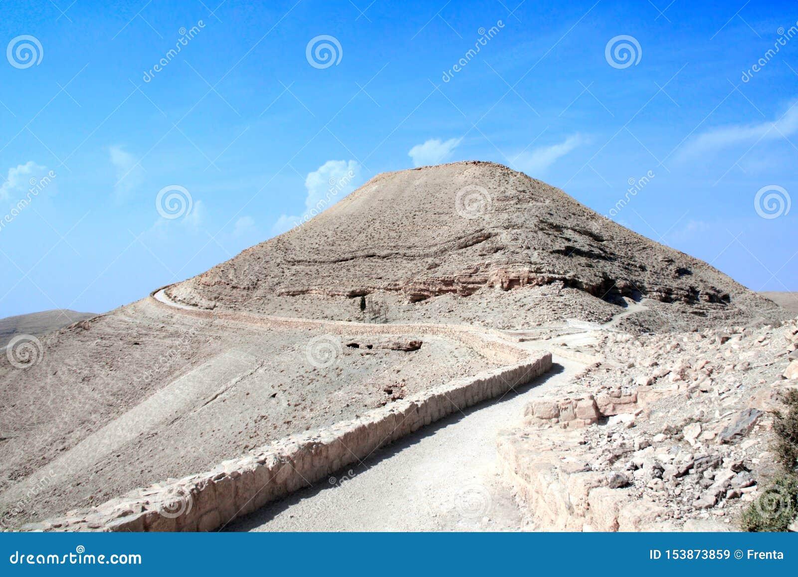 Ru?nas do pal?cio fortificado Machaeros do rei Herod, Jord?nia