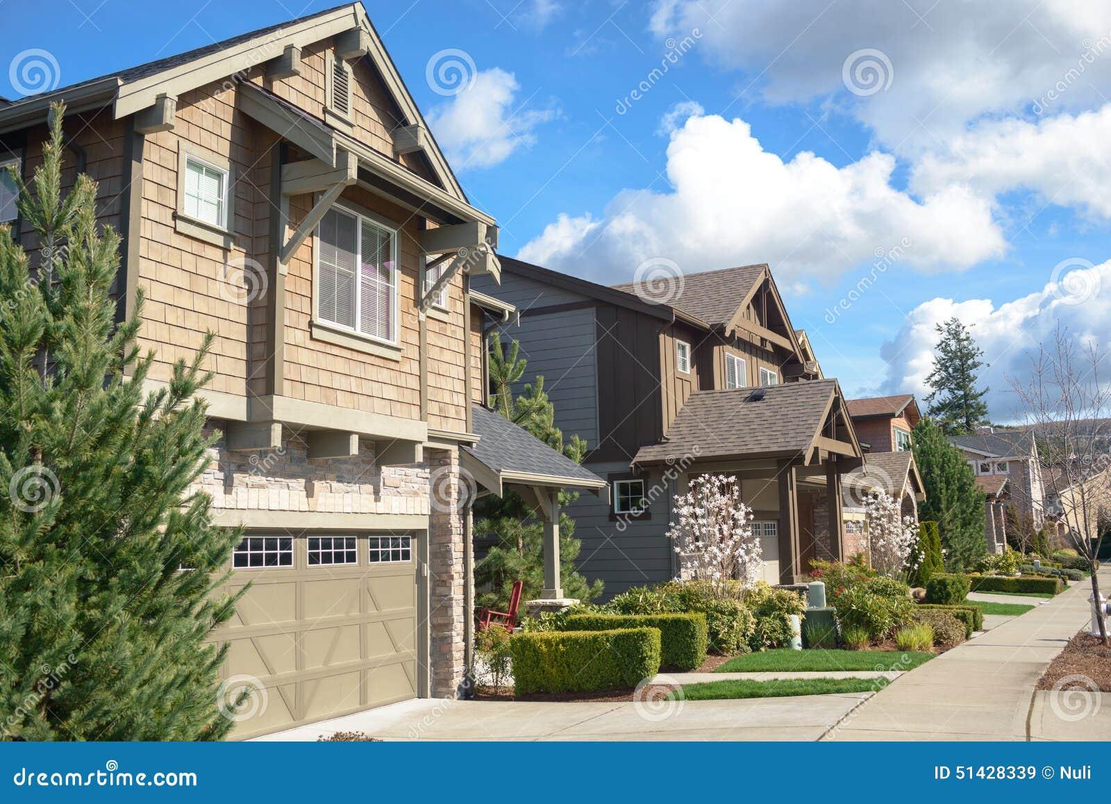 Rua americana com casas bonitas foto de stock imagem for Foto case americane