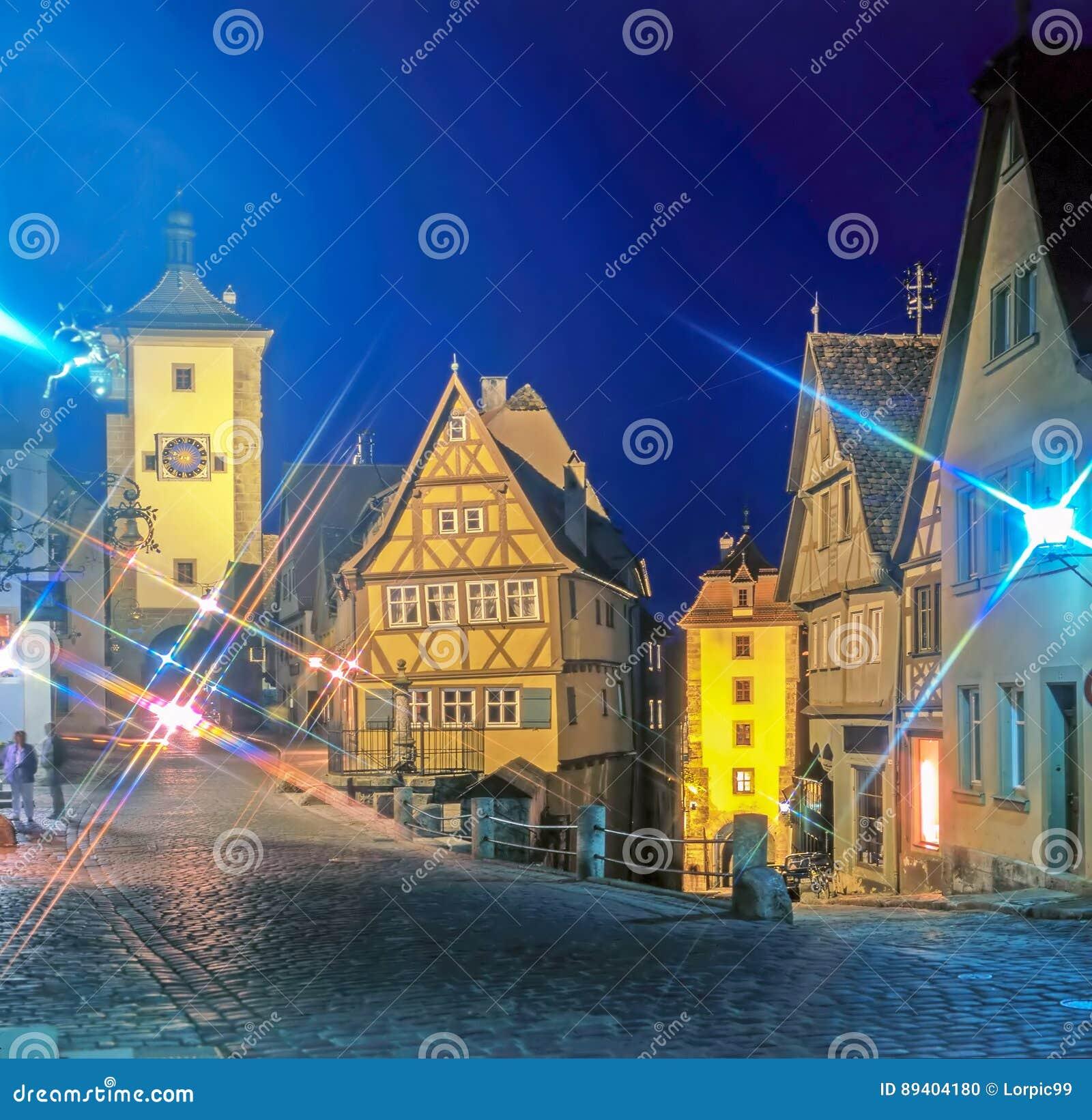 Rua em Rothenburg na noite