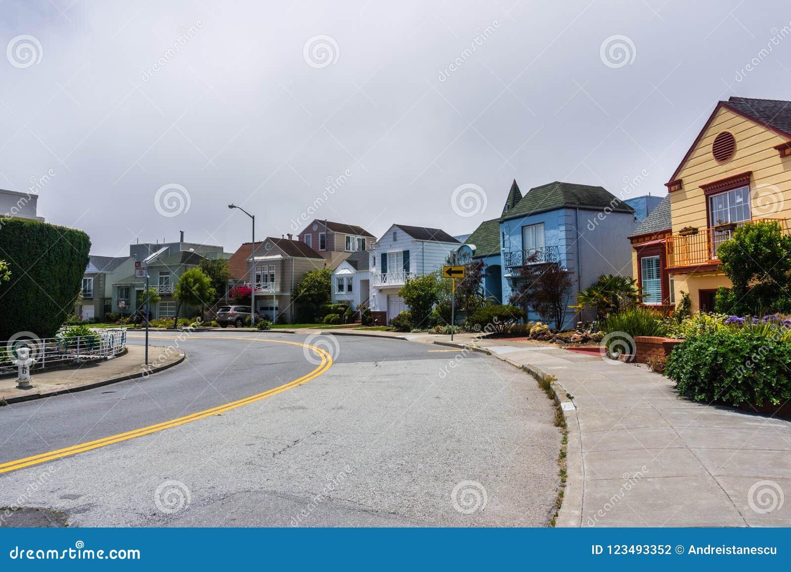 Rua residencial em San Francisco