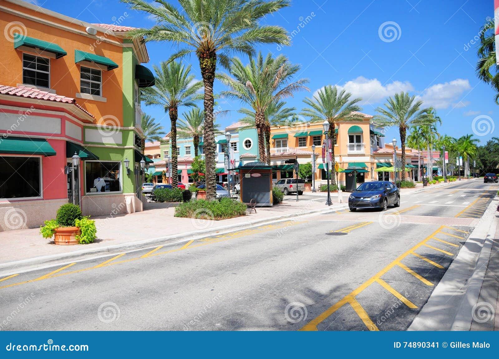 Rua sul de Florida com lojas