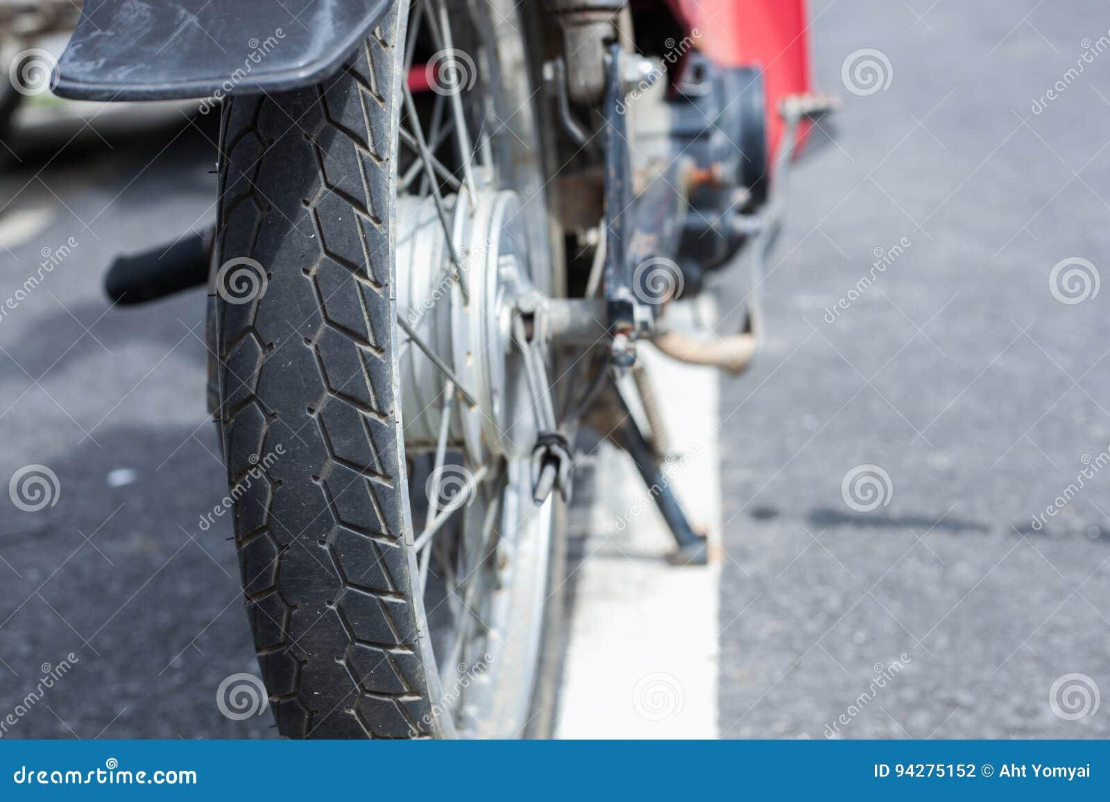 Rubber gummihjul för gammal motorcykel