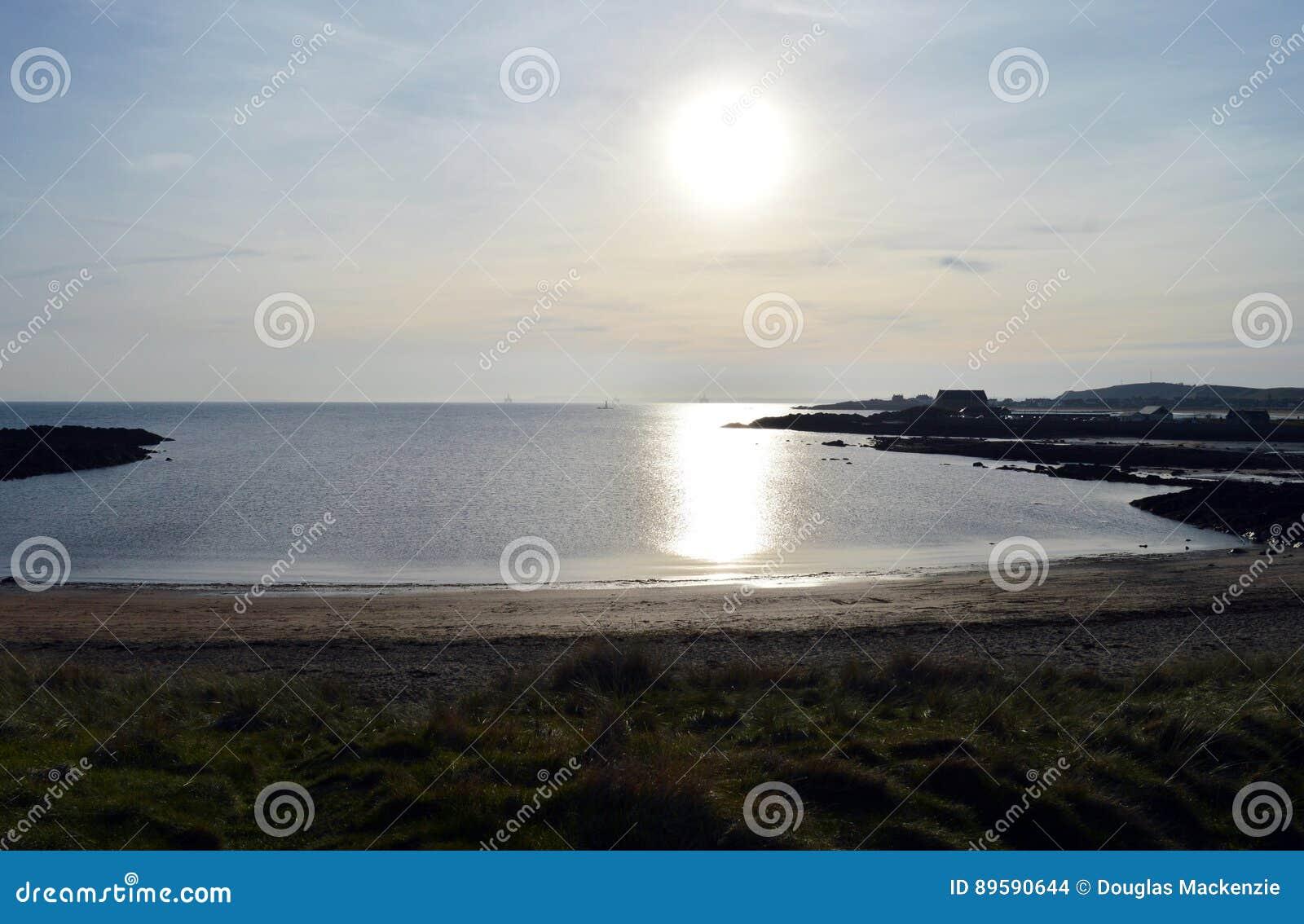 Ruby Bay, Elie, Fife, Schotland - Noordzee, die zon gelijk maken
