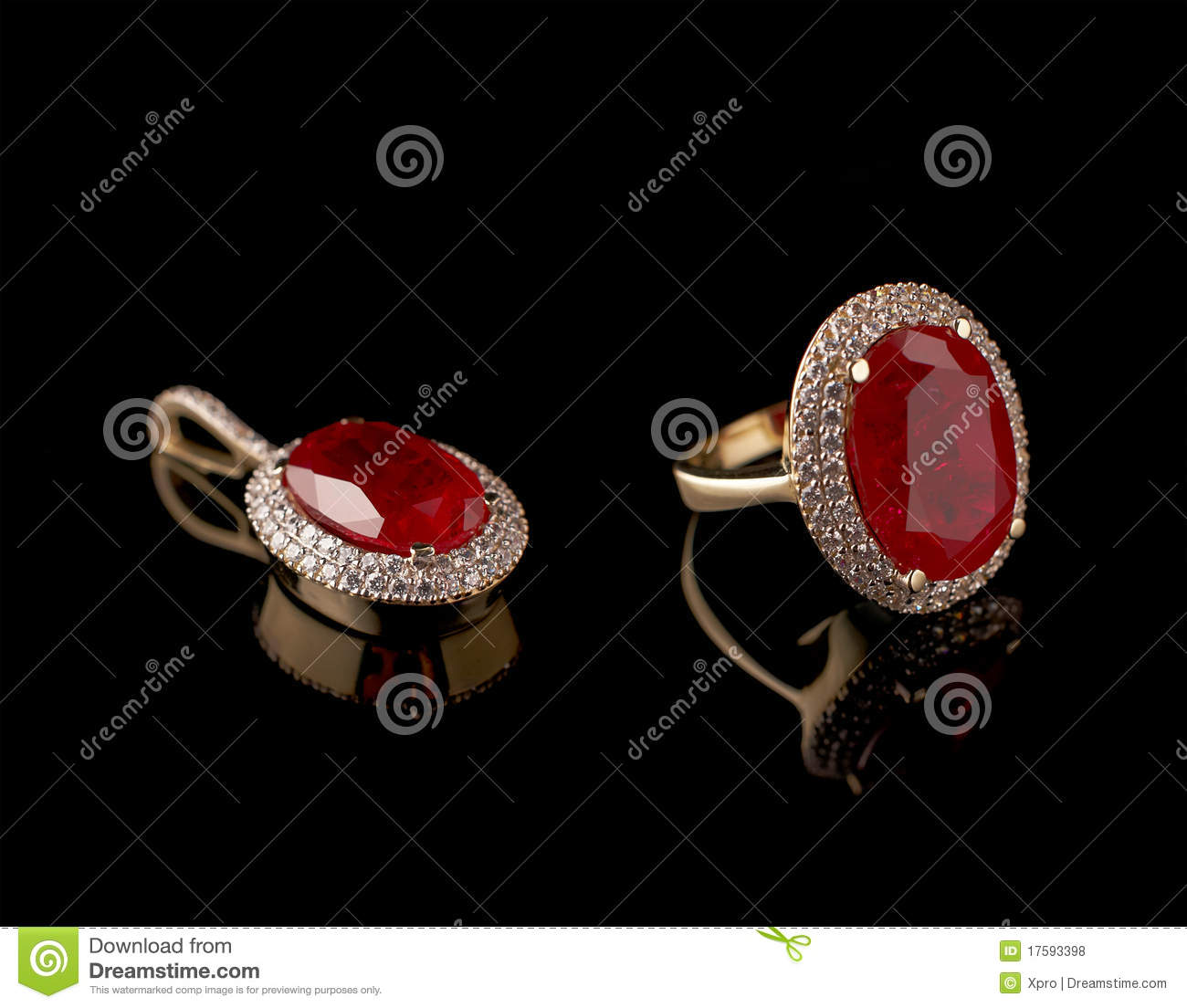 Ruby Diamond Ring And Pendant In A Set Royalty Free Stock Photos