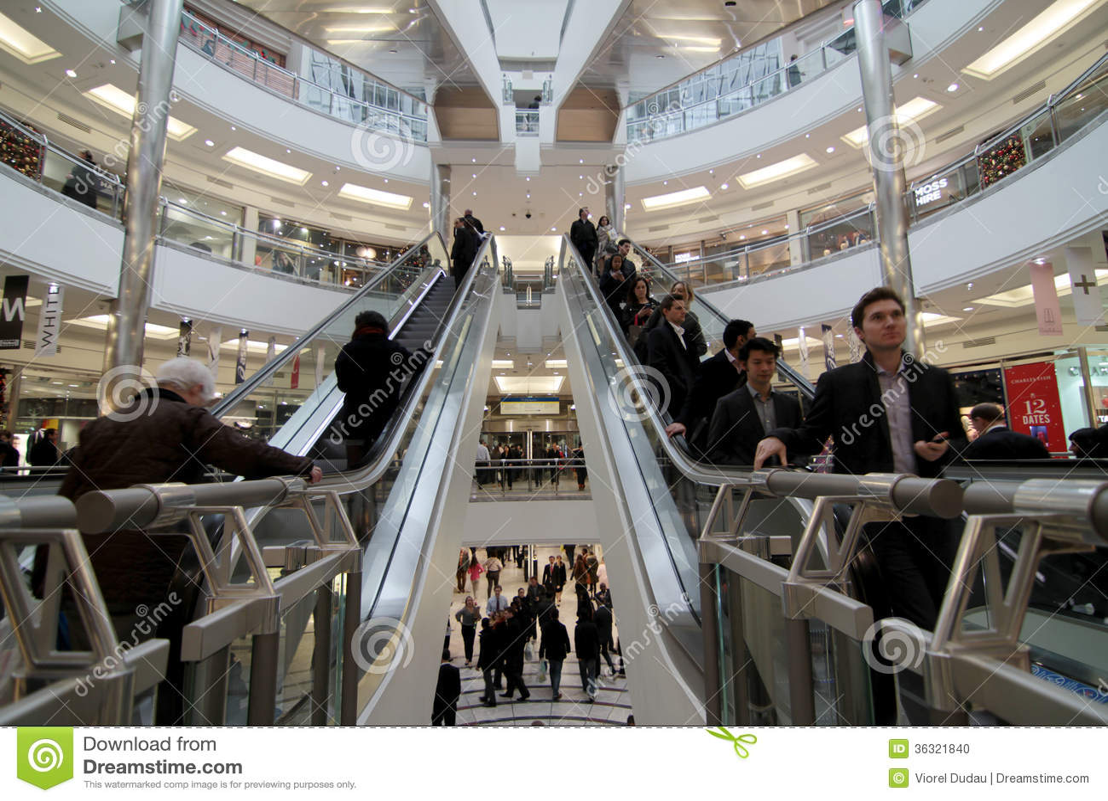 Ruchliwie zakupy centrum handlowe