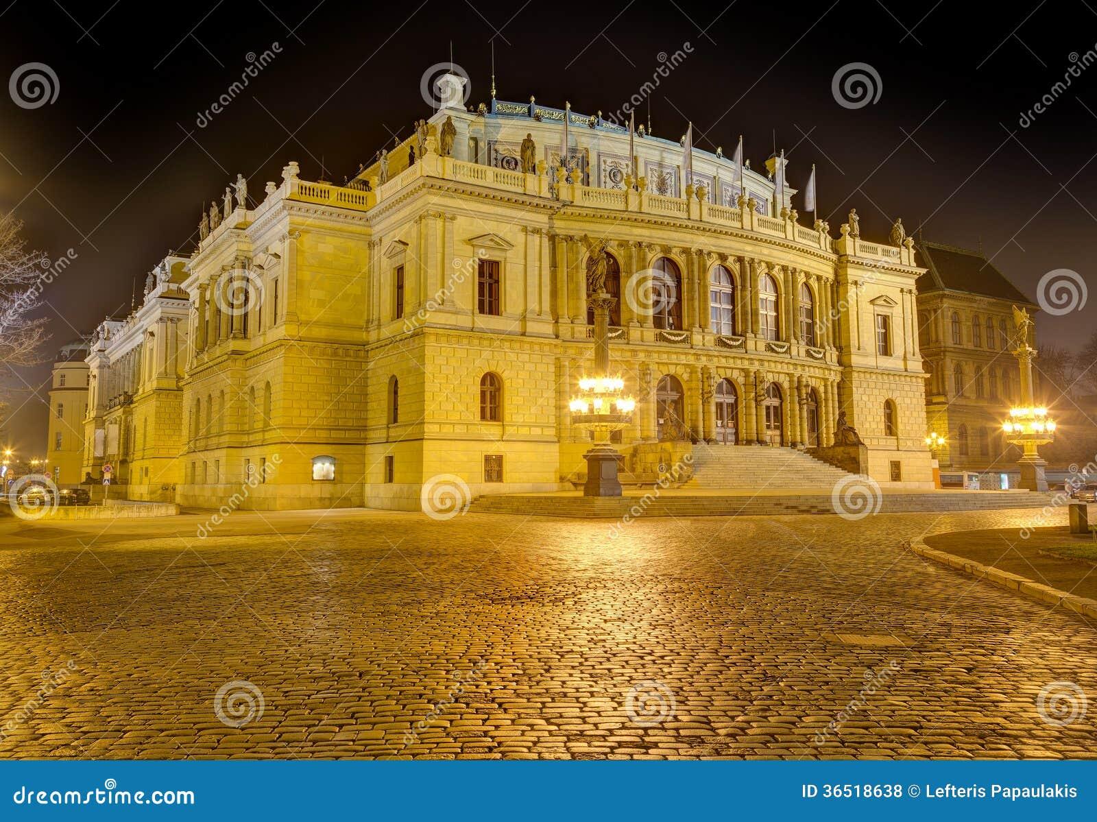 Rudolfinum la nuit, Prague, République Tchèque