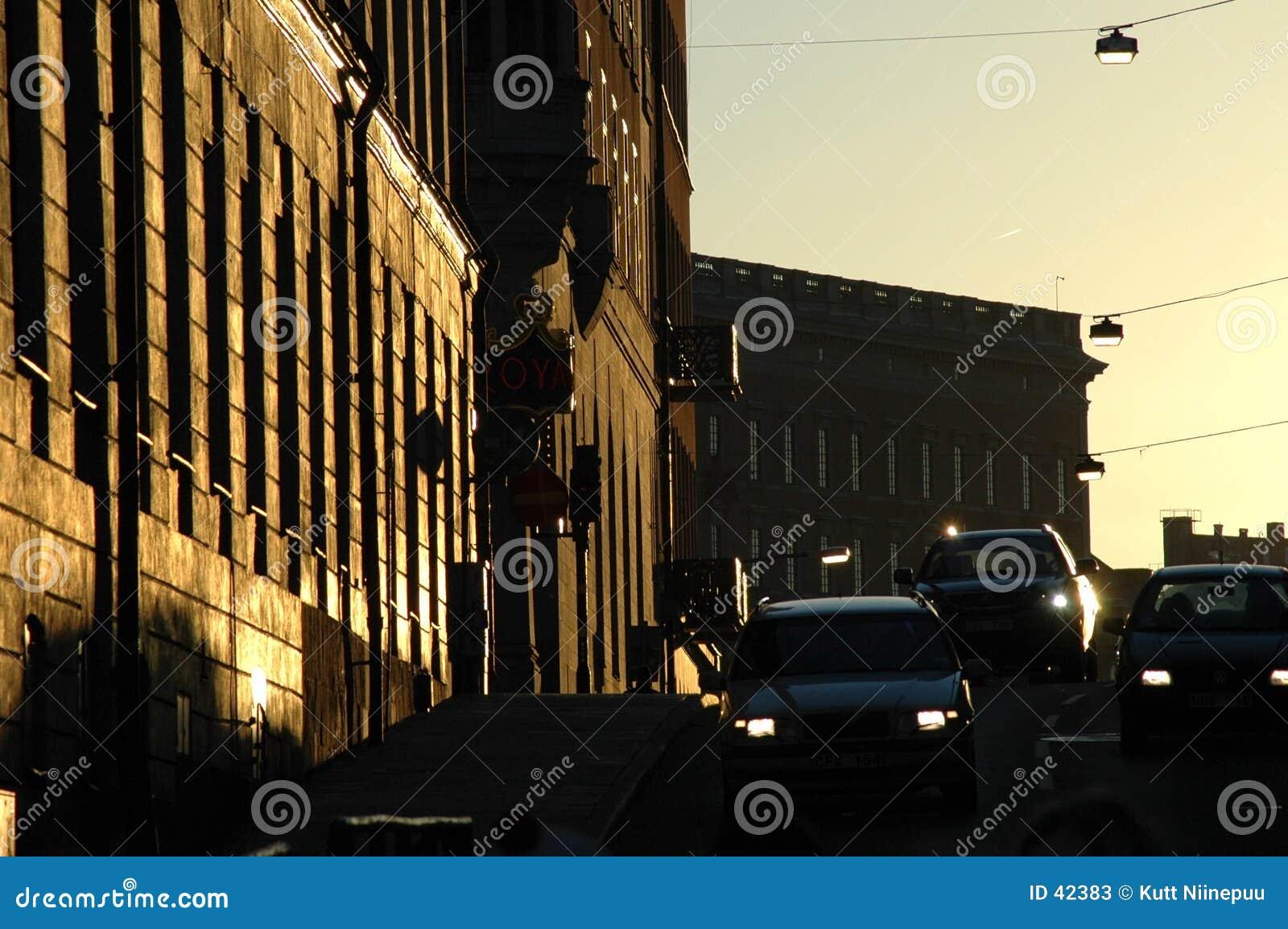 Rue au crépuscule