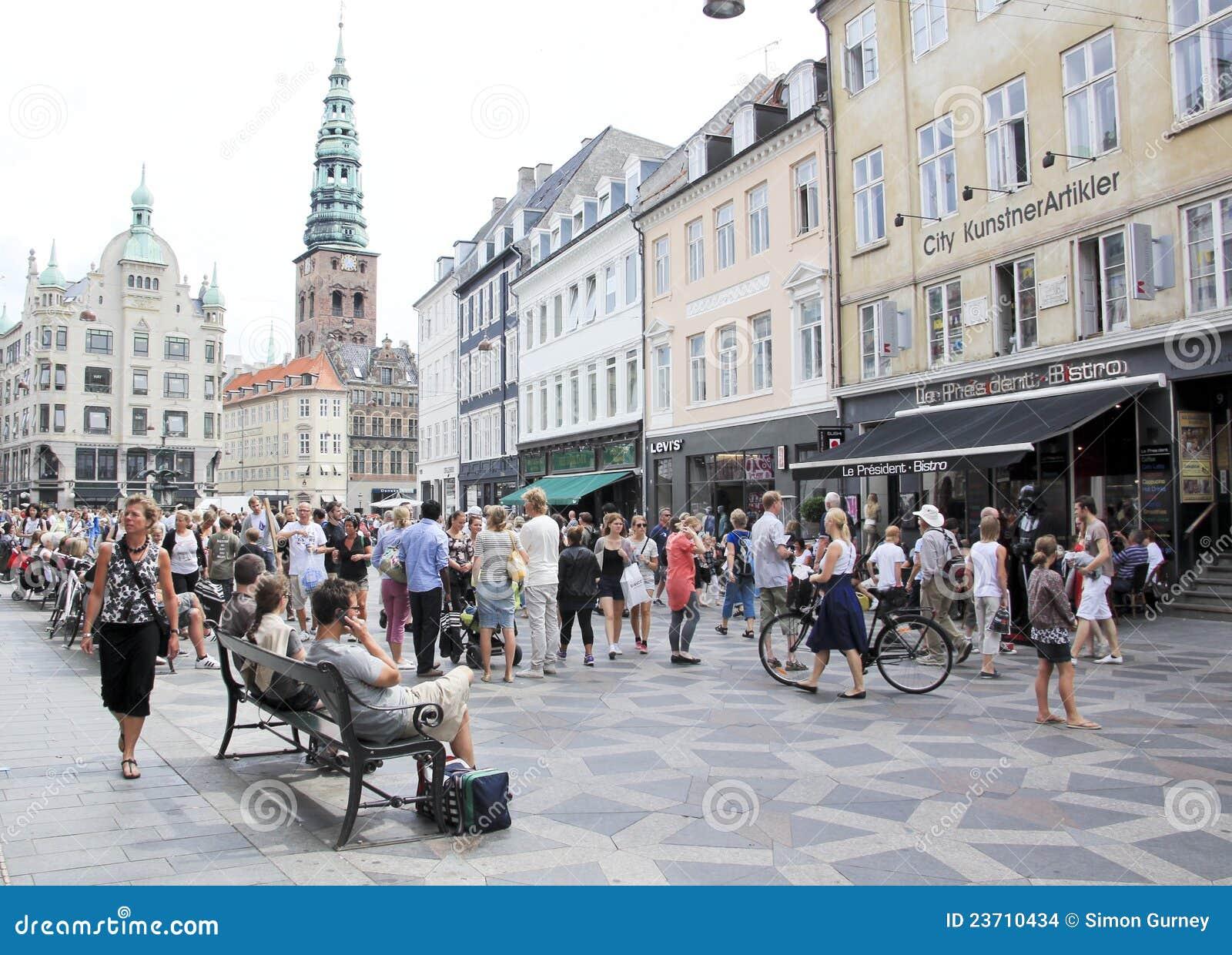 Rue Copenhague Danemark d achats de Stroget