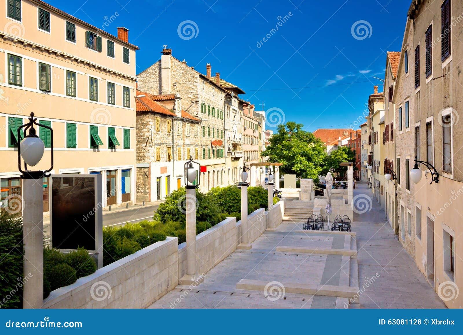 Download Rue Dalmatienne Classique Dans La Ville De Sibenik Photo stock - Image du ville, scène: 63081128