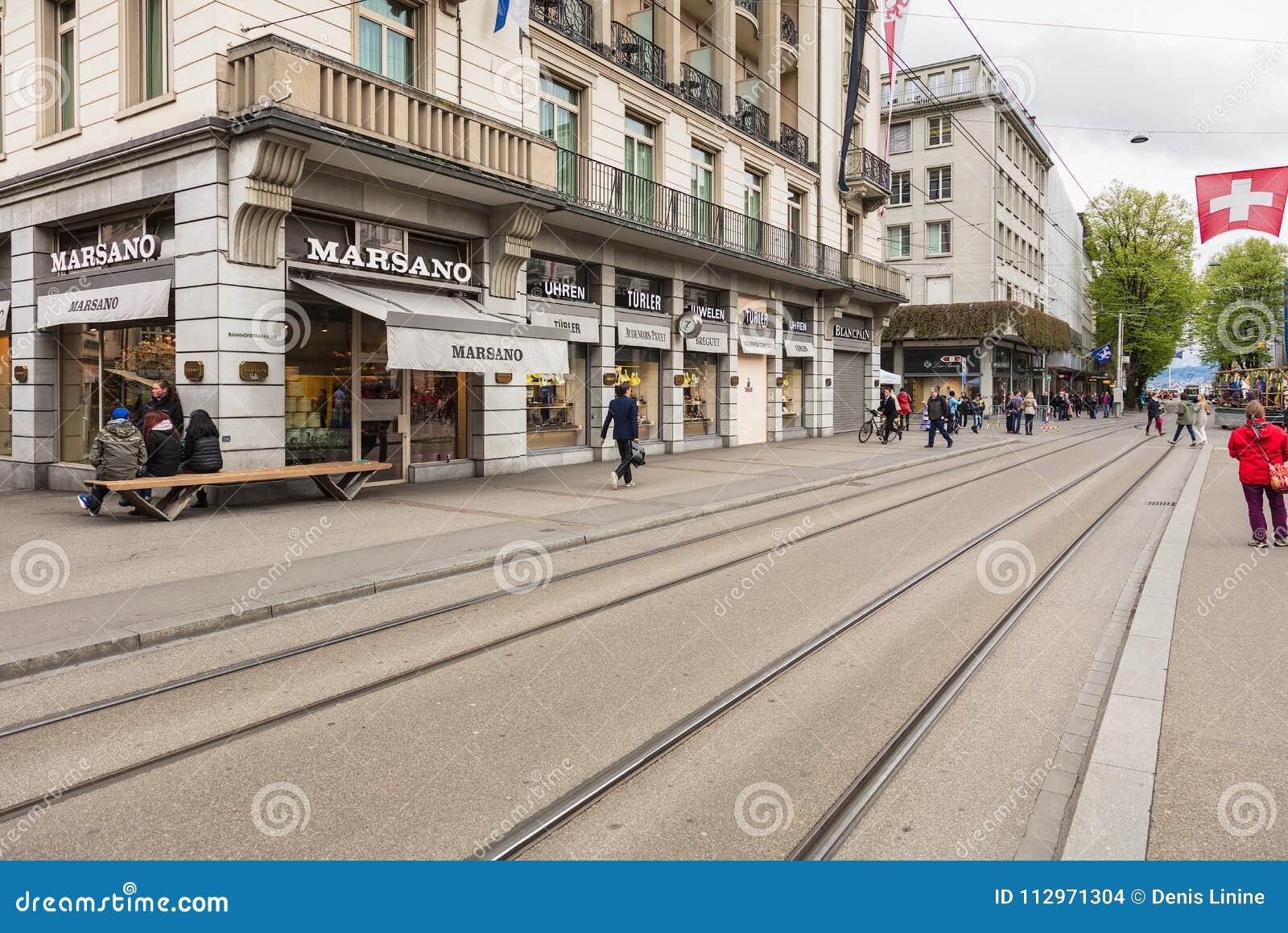 Rue de Bahnhofstrasse dans la ville de Zurich, Suisse
