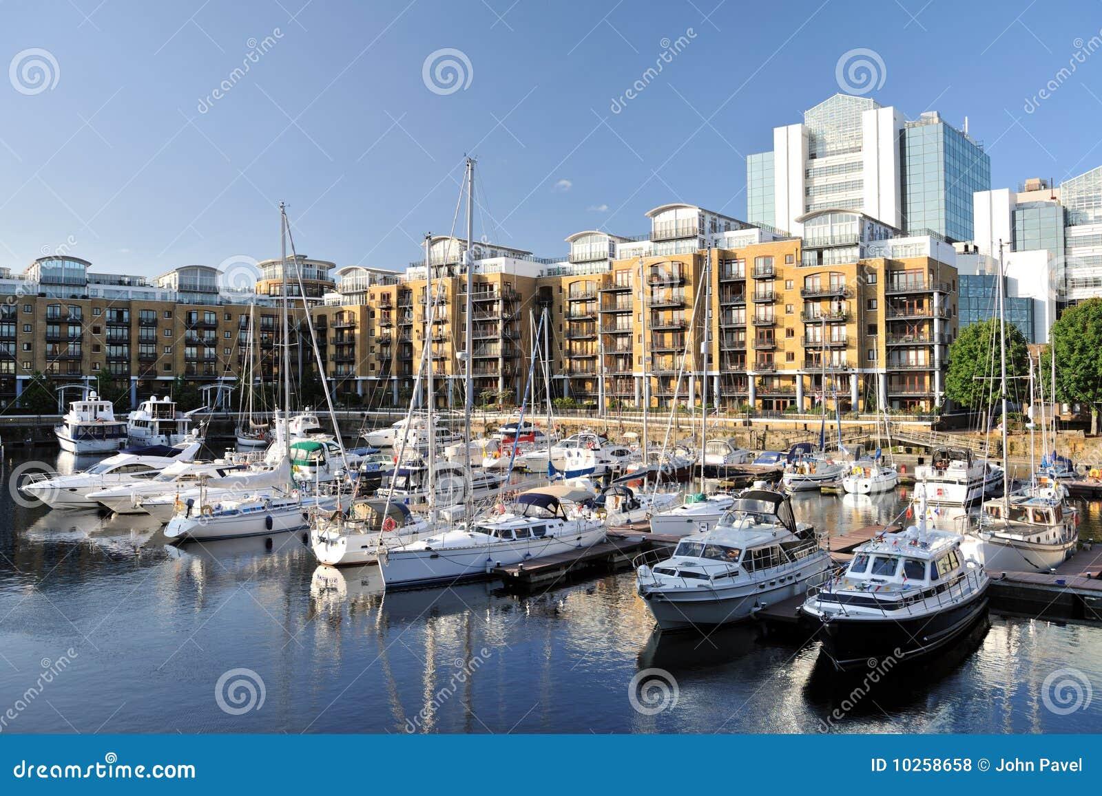 Rue de marina de londres de katharine d 39 appartements de l 39 angleterre - Achat appartement londres ...