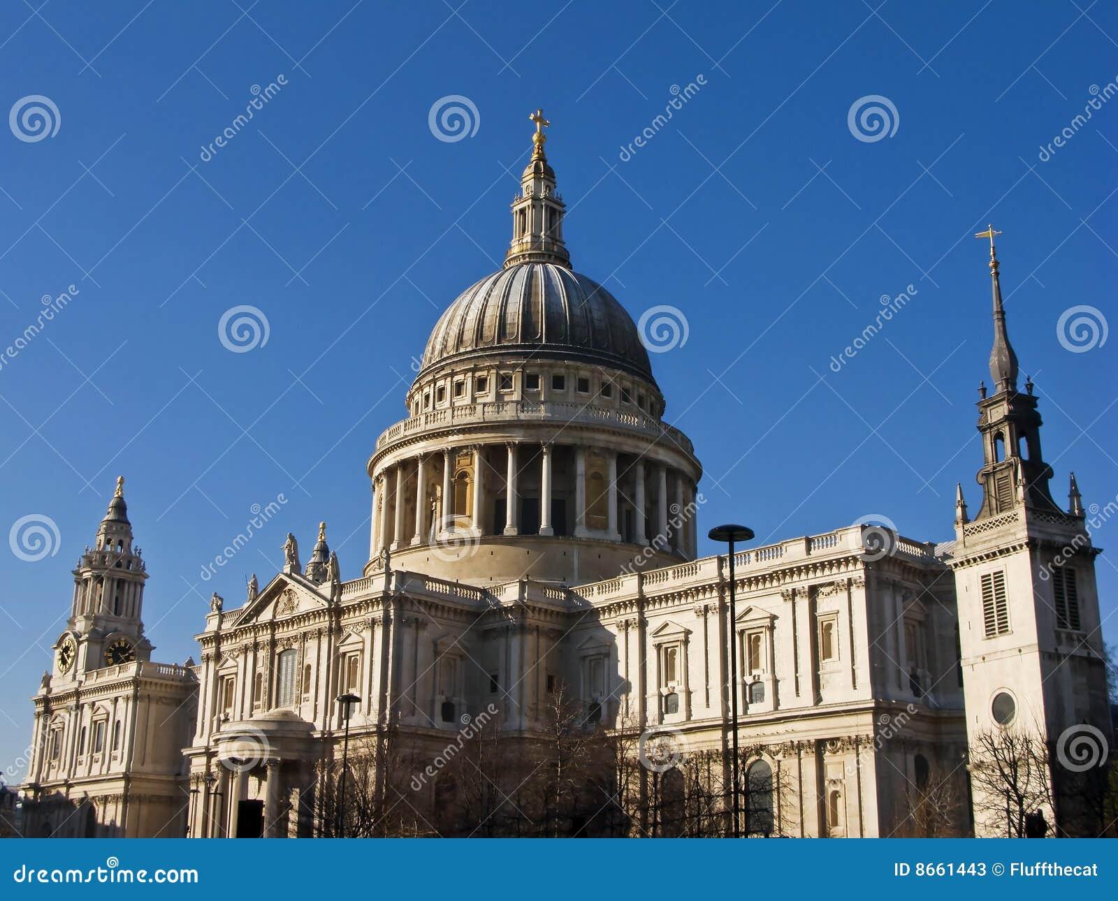 Rue de pauls de Londres de cathédrale