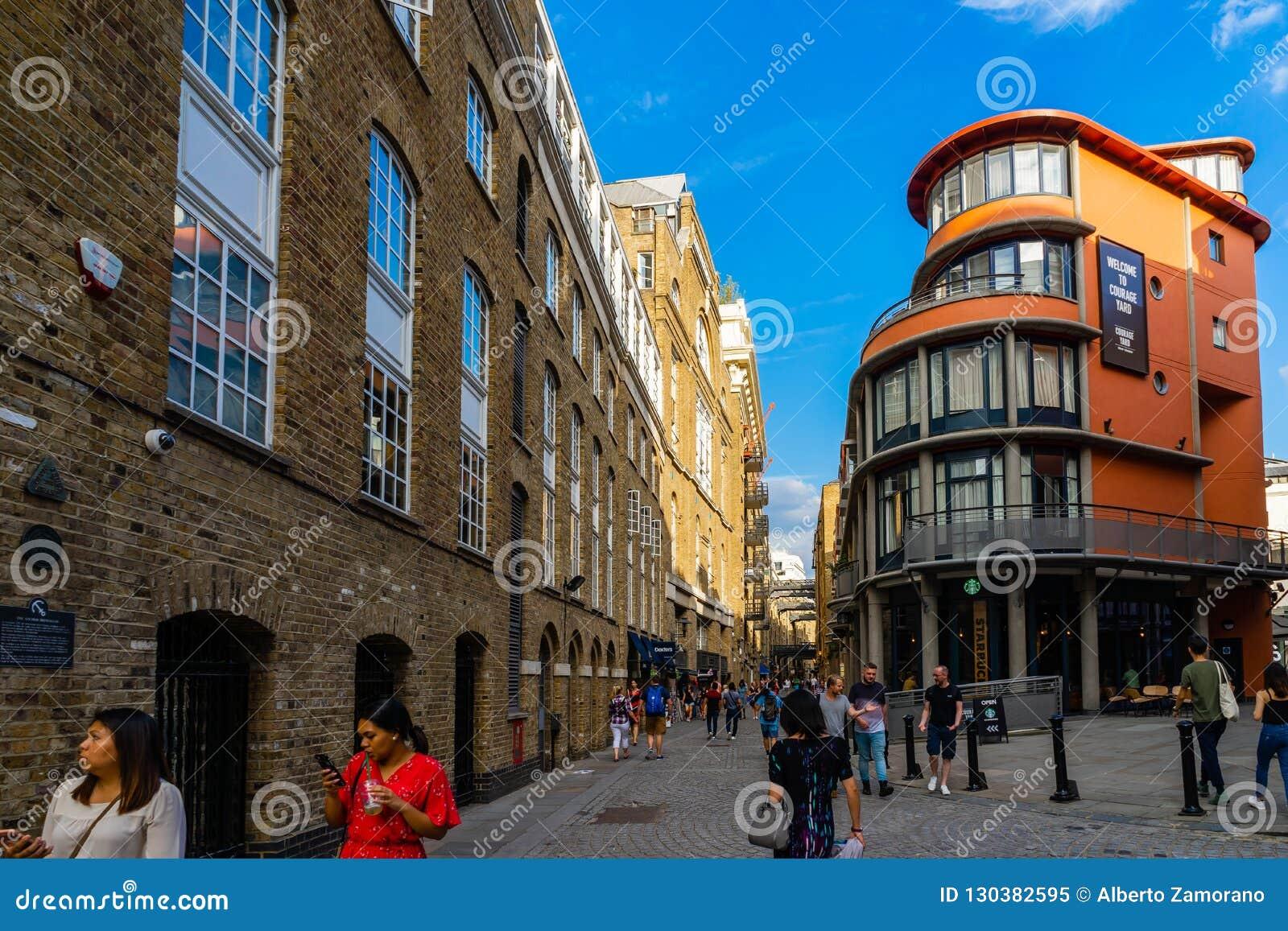 Rue de Shad Thames, voisinage de Southwark à Londres, R-U