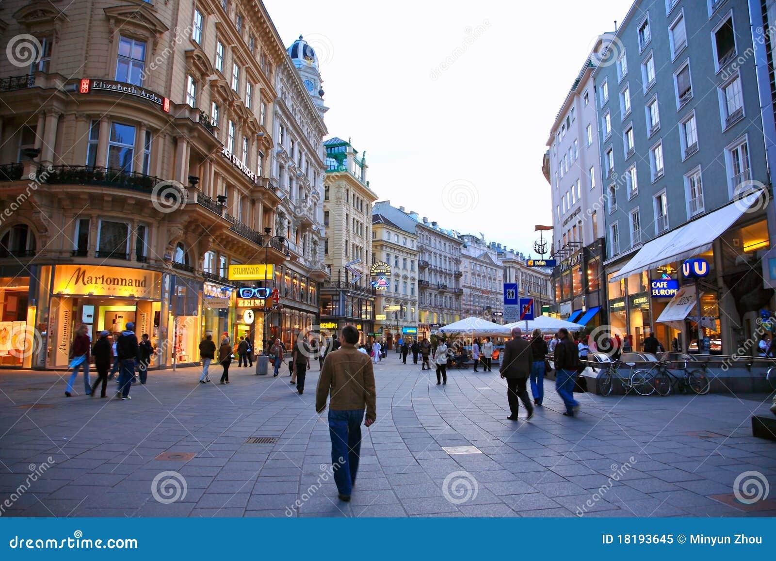 Rue de vienne autriche image ditorial image 18193645 - Office de tourisme de vienne autriche ...