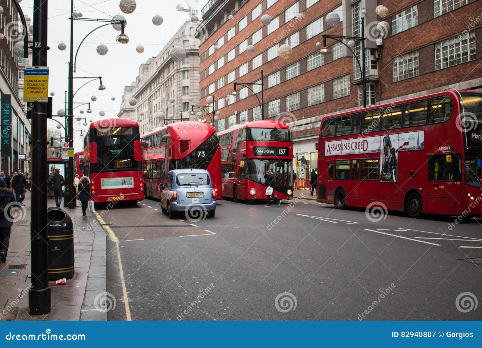 rue occupée de londres oxford dans la période de noël photographie