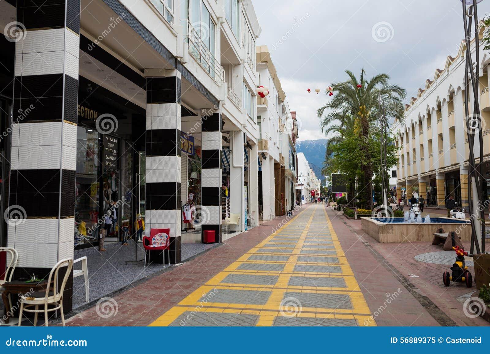 Rue piétonnière de Kemer