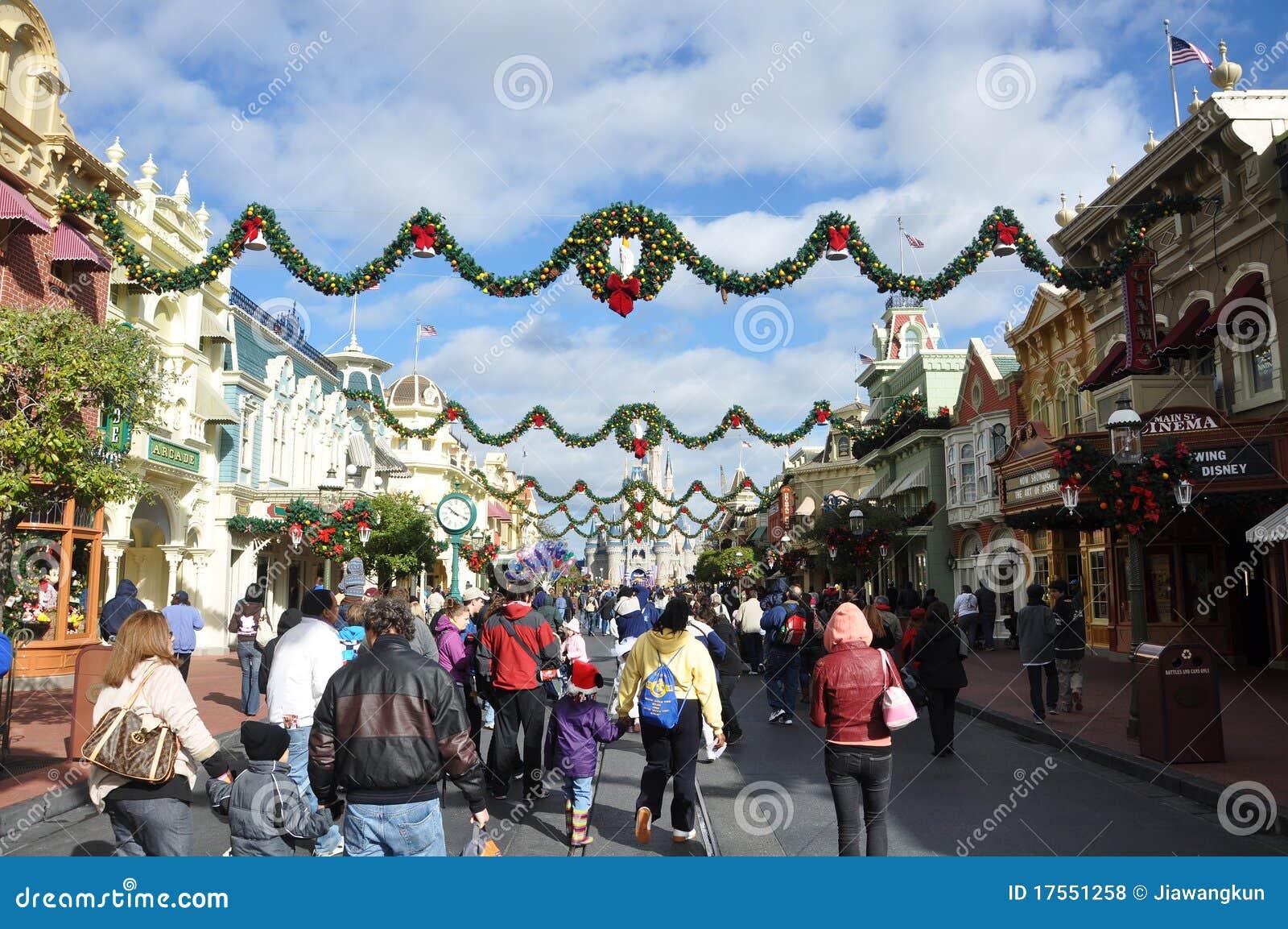 Rue principale de monde de Walt Disney