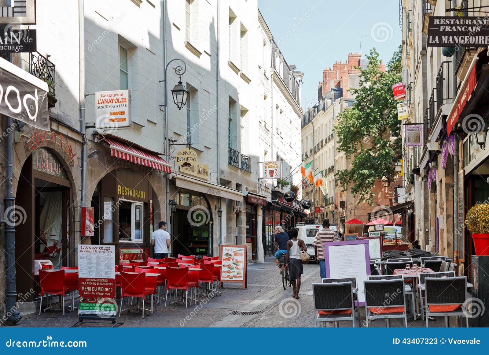 rue rue de la baclerie nantes france photo stock ditorial image 43407323. Black Bedroom Furniture Sets. Home Design Ideas