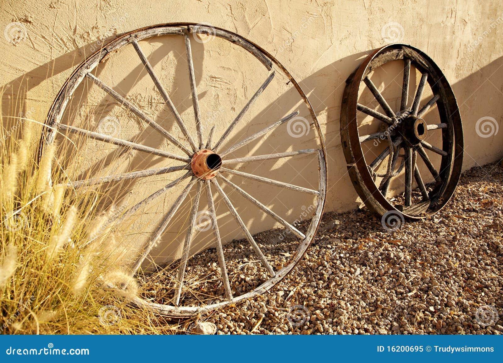 Ruedas de carro del viejo oeste