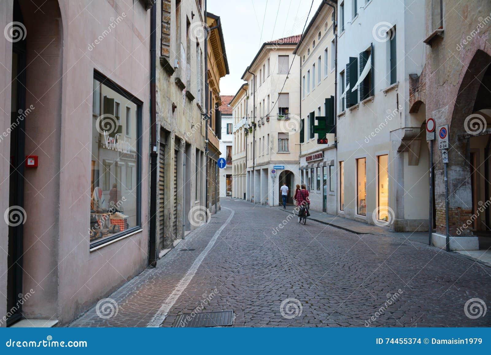 Rues dans mirano italie image stock ditorial image du for Dans italien