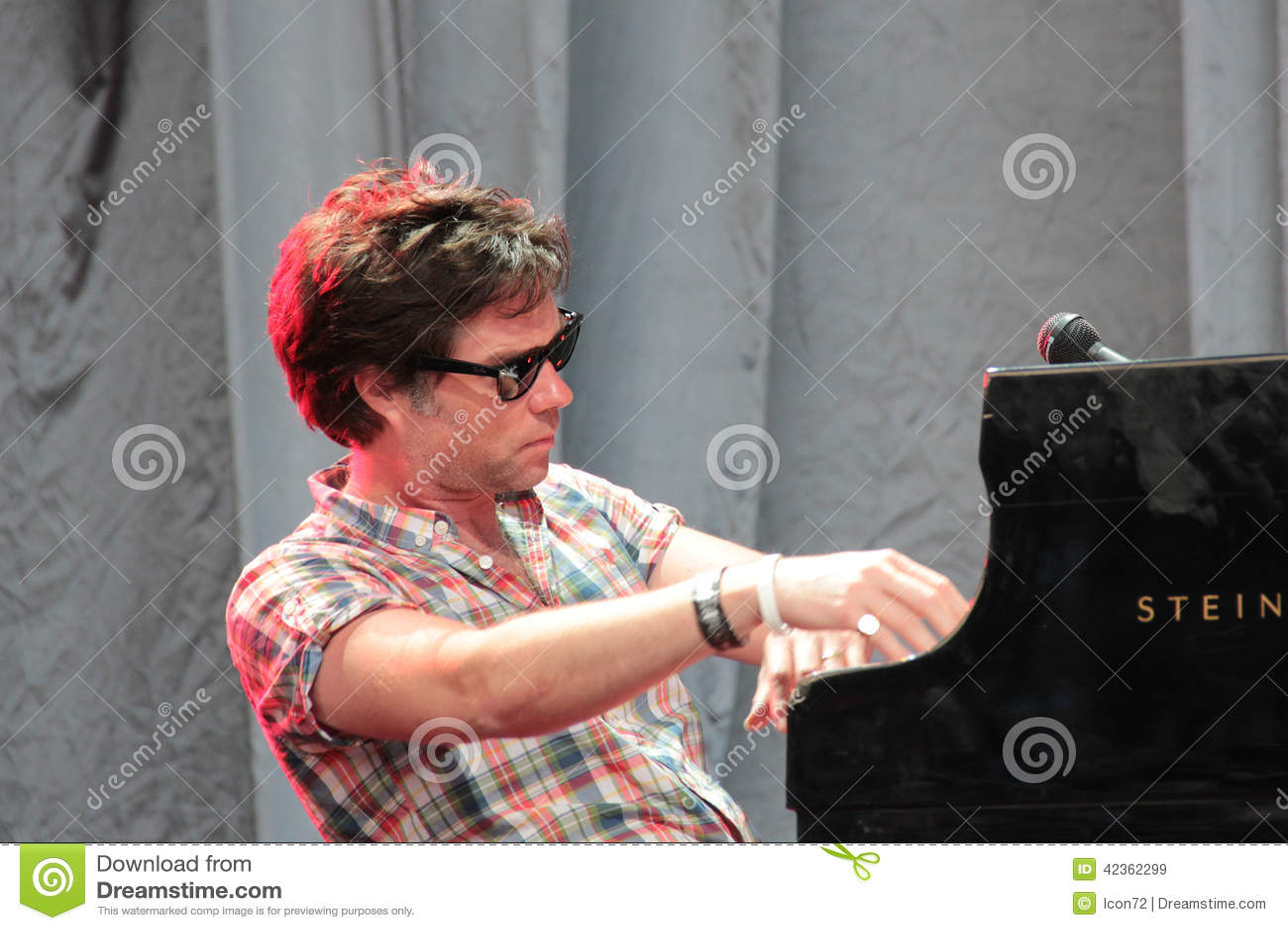 Rufus Wainwright-Ausführung Live an Festival Cruilla Barcelona