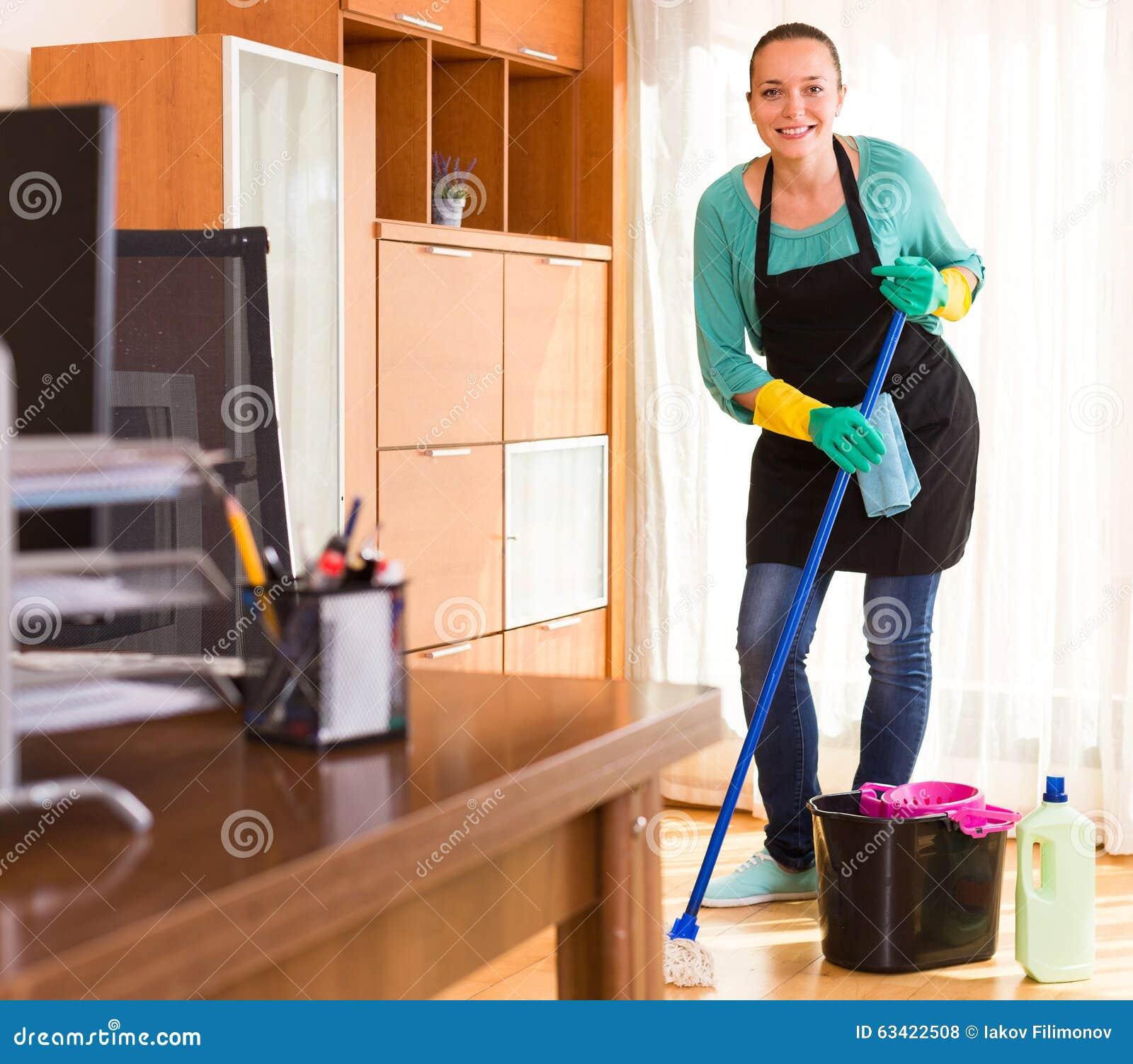 Ruimte van het vrouwen de schoonmakende bureau stock foto afbeelding 63422508 - Ruimte van het meisje parket ...