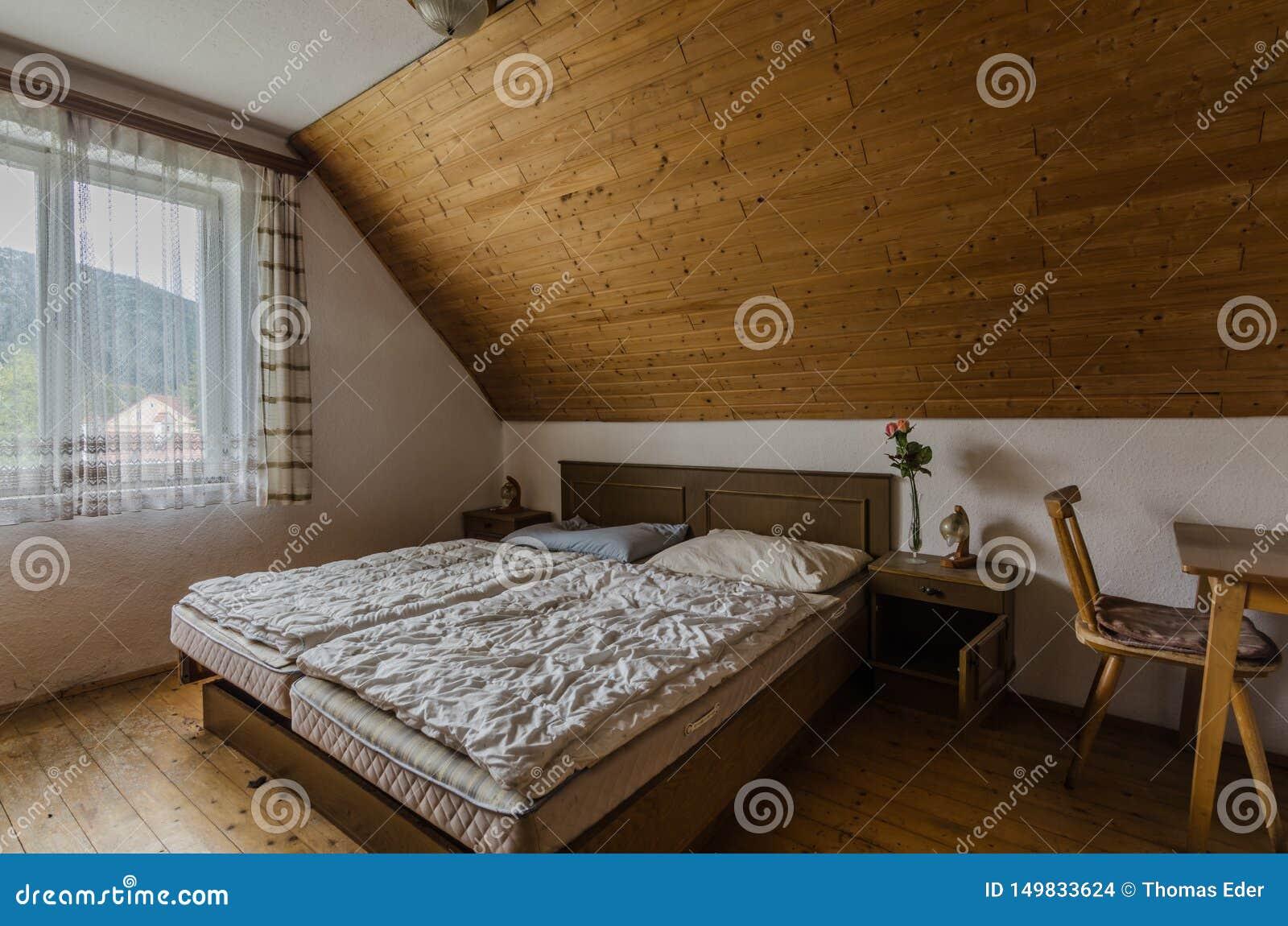 Ruimte in zolder van oude herberg